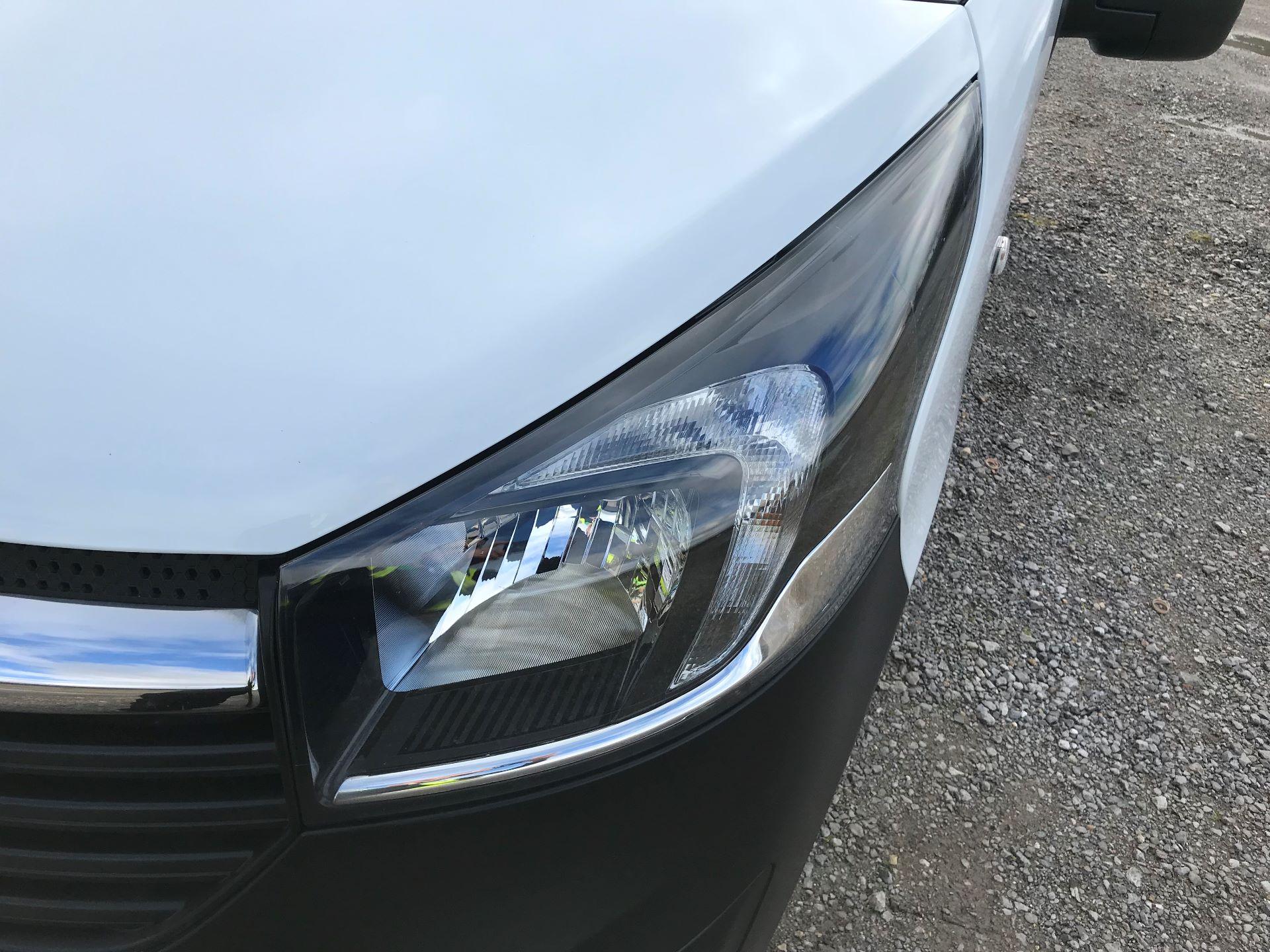 2017 Vauxhall Vivaro L2 H1 2900 1.6CDTI 120PS EURO 6 (DV67LTX) Image 18