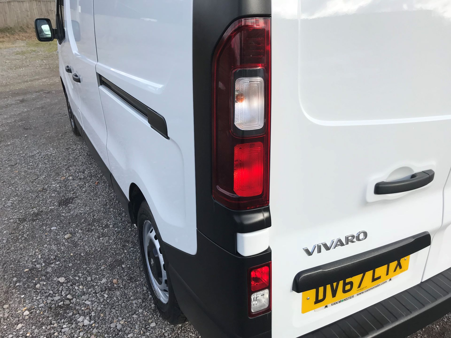 2017 Vauxhall Vivaro L2 H1 2900 1.6CDTI 120PS EURO 6 (DV67LTX) Image 15