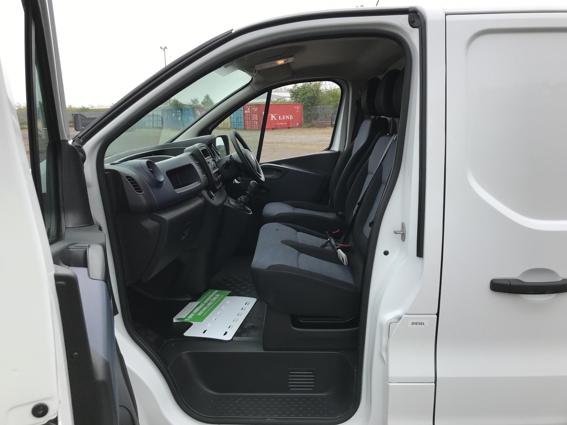 2017 Vauxhall Vivaro L2 H1 2900 1.6CDTI 120PS EURO 6 (DV67LTZ) Image 14