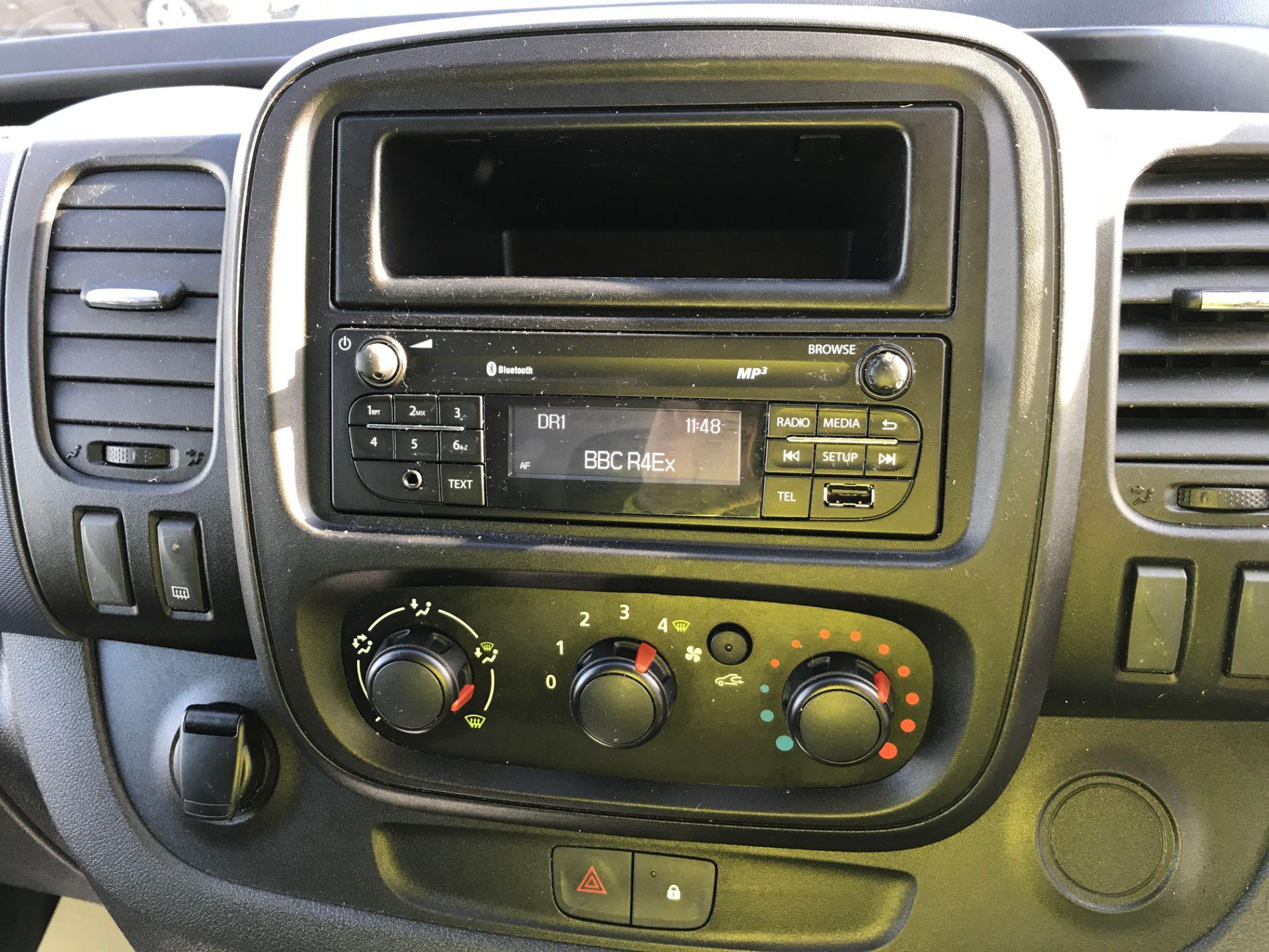 2017 Vauxhall Vivaro 2900 L2 H1 1.6CDTI 120PS EURO 6 (DV67LWC) Image 3