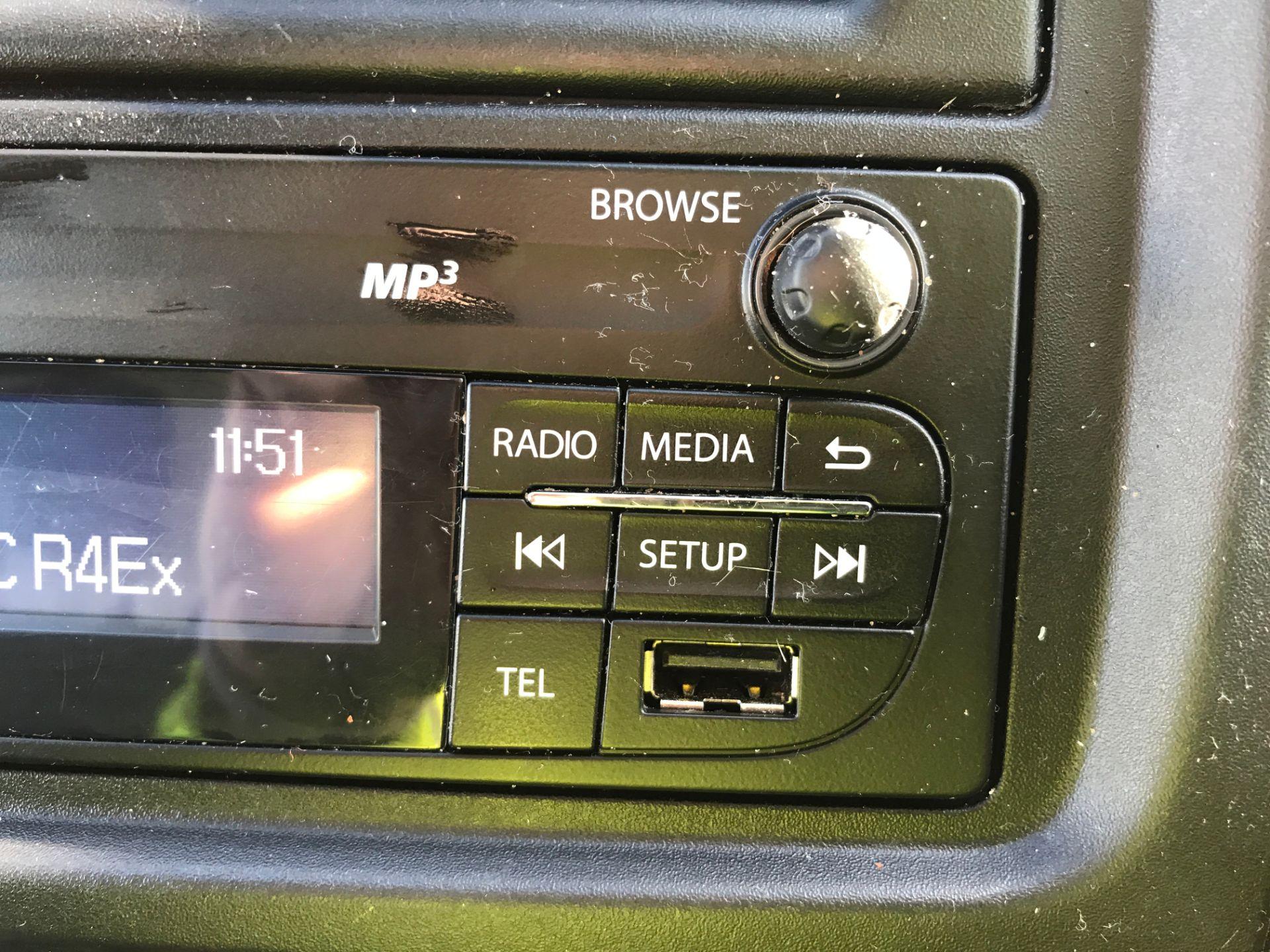 2017 Vauxhall Vivaro 2900 L2 H1 1.6CDTI 120PS EURO 6 (DV67LWC) Image 20