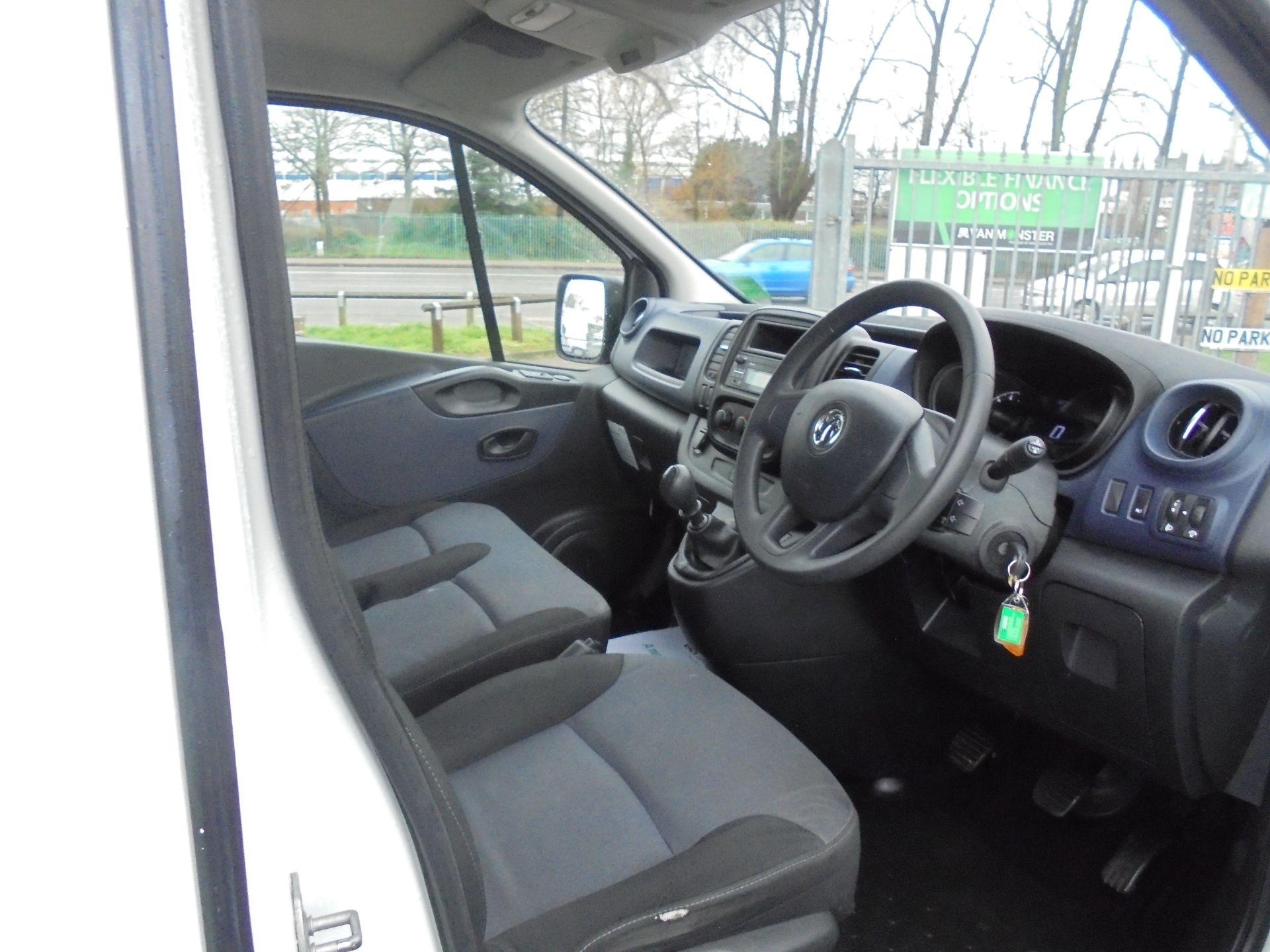 2017 Vauxhall Vivaro L2 2900 1.6CDTI 120PS  H1 EURO 6  (DV67LWY) Image 11