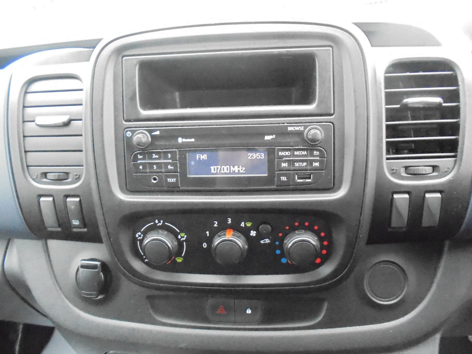 2017 Vauxhall Vivaro L2 2900 1.6CDTI 120PS  H1 EURO 6  (DV67LWY) Image 14