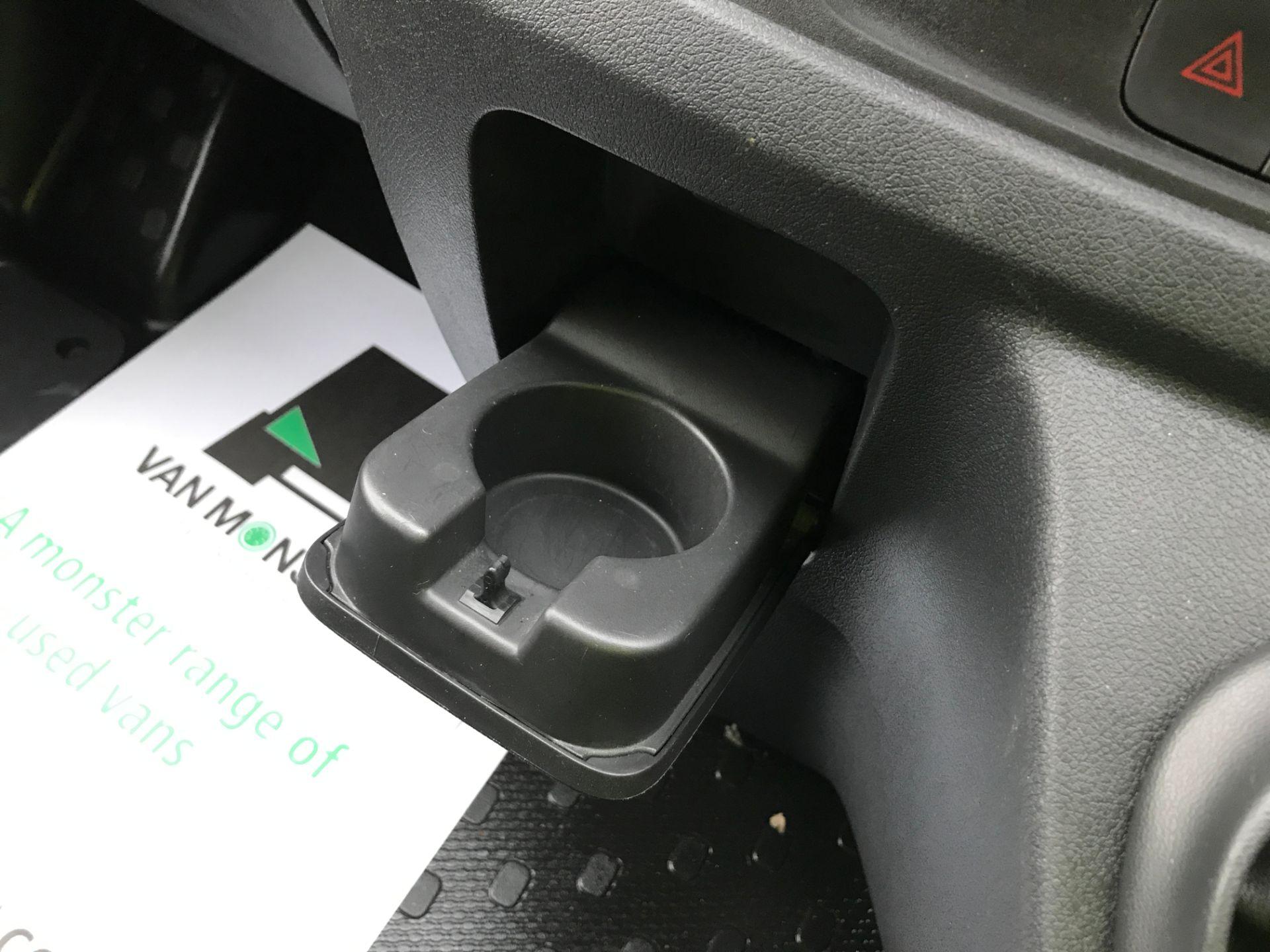2017 Vauxhall Vivaro 2900 L2 H1 1.6CDTI 120PS EURO 6 (DV67LXB) Image 25