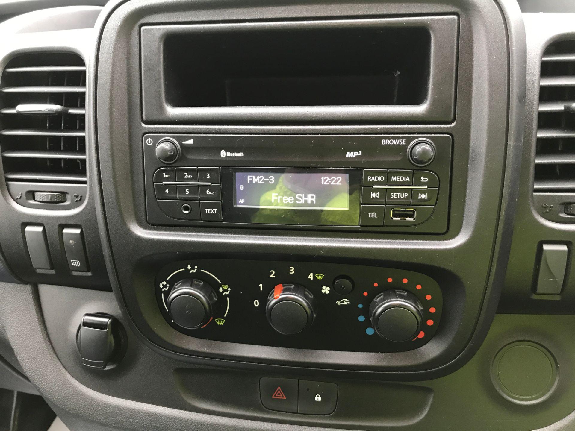 2017 Vauxhall Vivaro 2900 L2 H1 1.6CDTI 120PS EURO 6 (DV67LXB) Image 3
