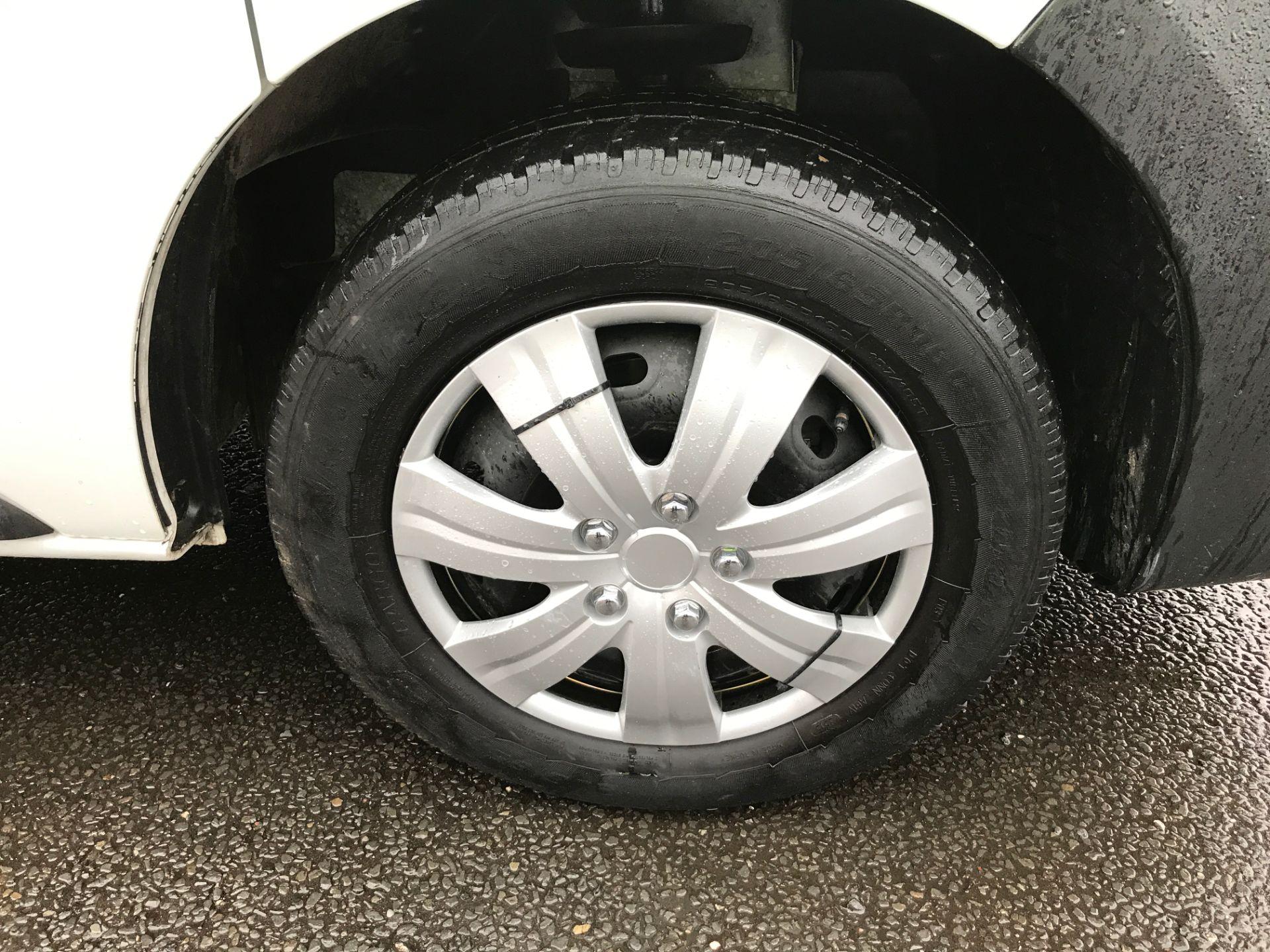 2017 Vauxhall Vivaro 2900 L2 H1 1.6CDTI 120PS EURO 6 (DV67LXB) Image 18
