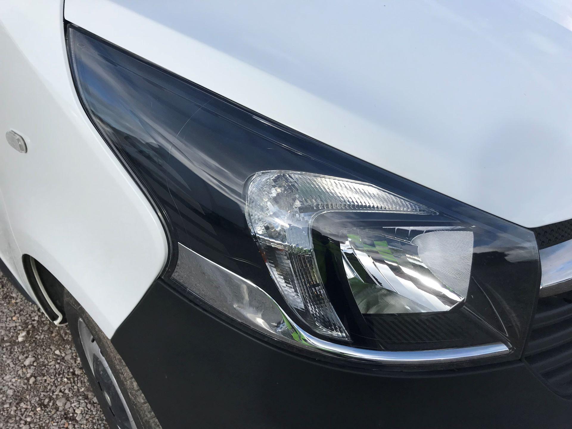 2017 Vauxhall Vivaro L2 H1 2900 1.6CDTI 120PS EURO 6 (DV67LXX) Image 25
