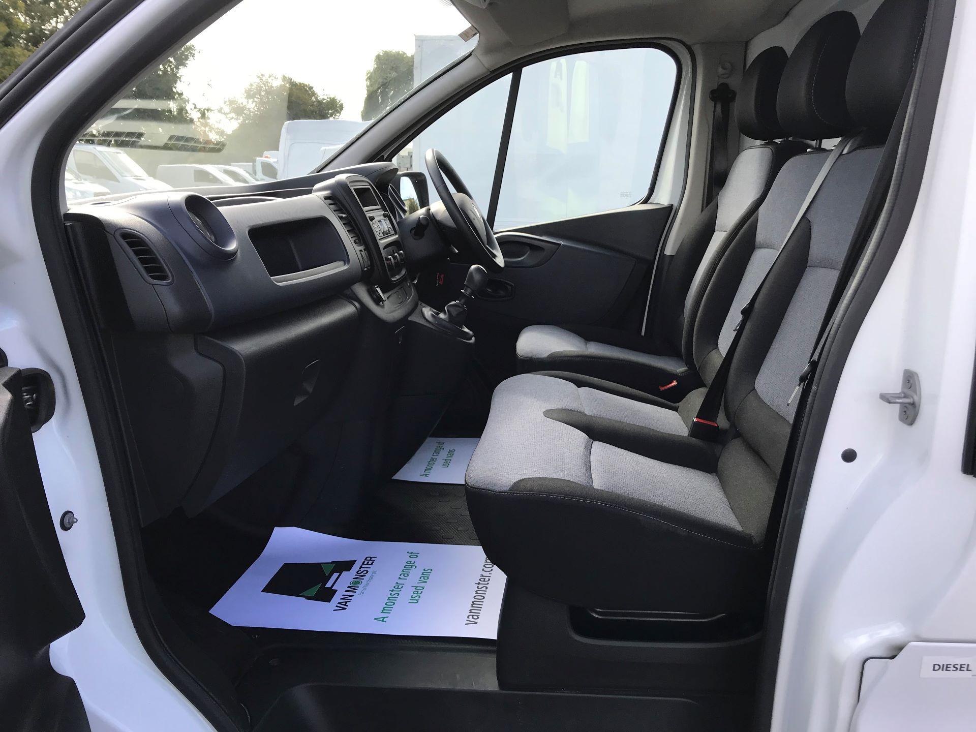 2017 Vauxhall Vivaro L2 H1 2900 1.6CDTI 120PS EURO 6 (DV67LXX) Image 14