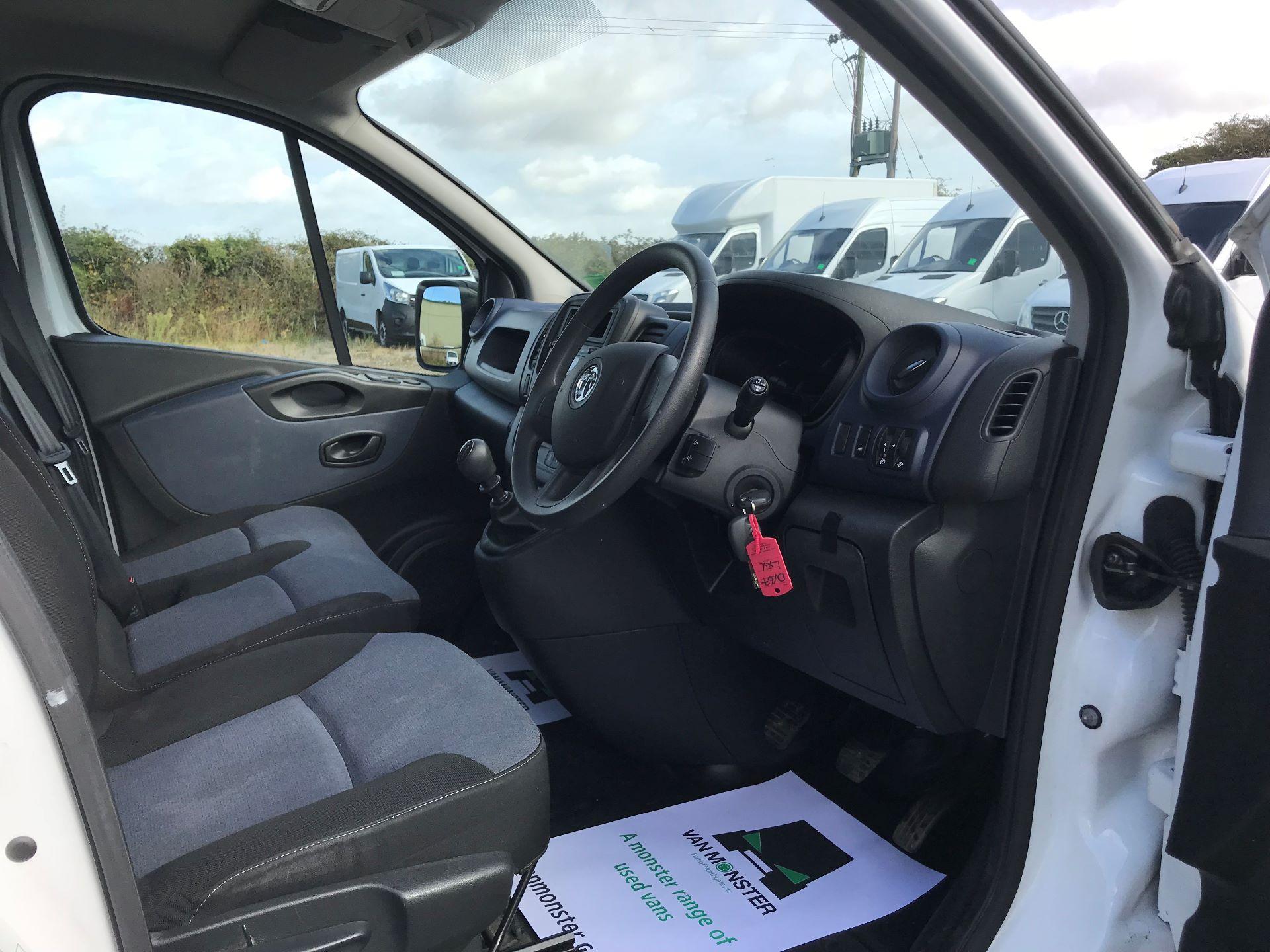 2017 Vauxhall Vivaro L2 H1 2900 1.6CDTI 120PS EURO 6 (DV67LXX) Image 15