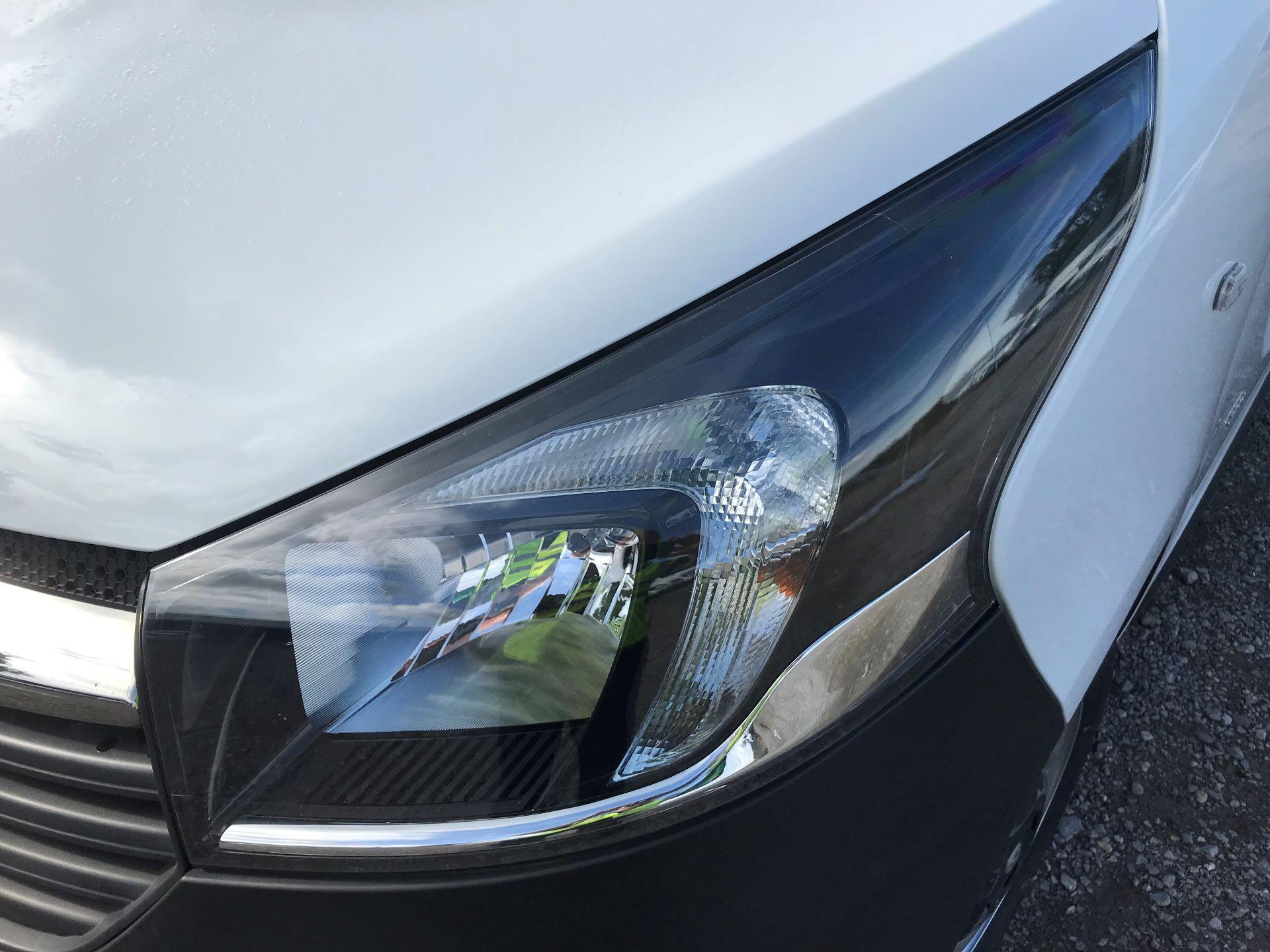2017 Vauxhall Vivaro L2 H1 2900 1.6CDTI 120PS EURO 6 (DV67LXX) Image 24