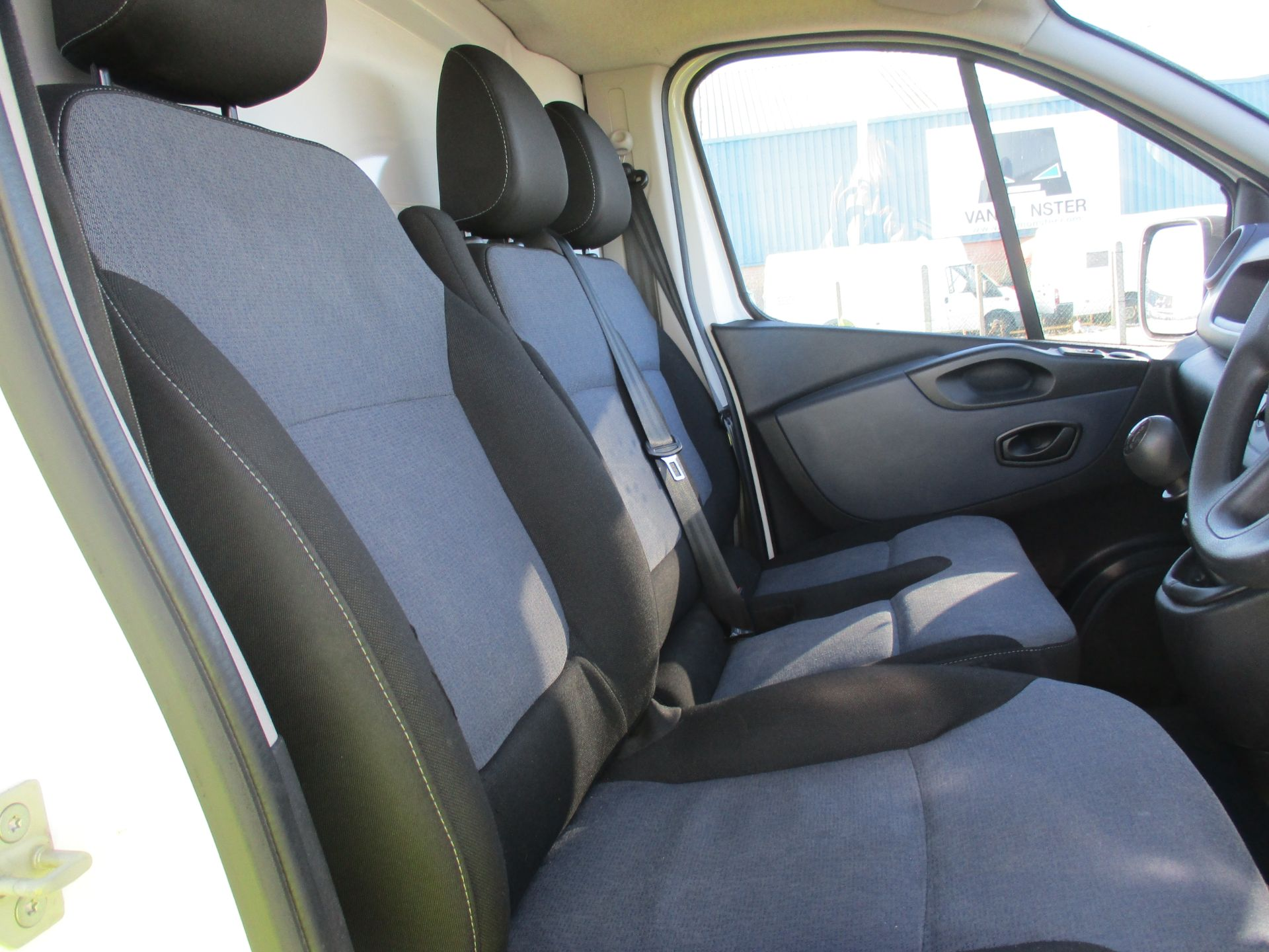 2017 Vauxhall Vivaro L2 H1 2900 1.6 CDTI 120PS EURO 6 (DV67WFT) Image 12