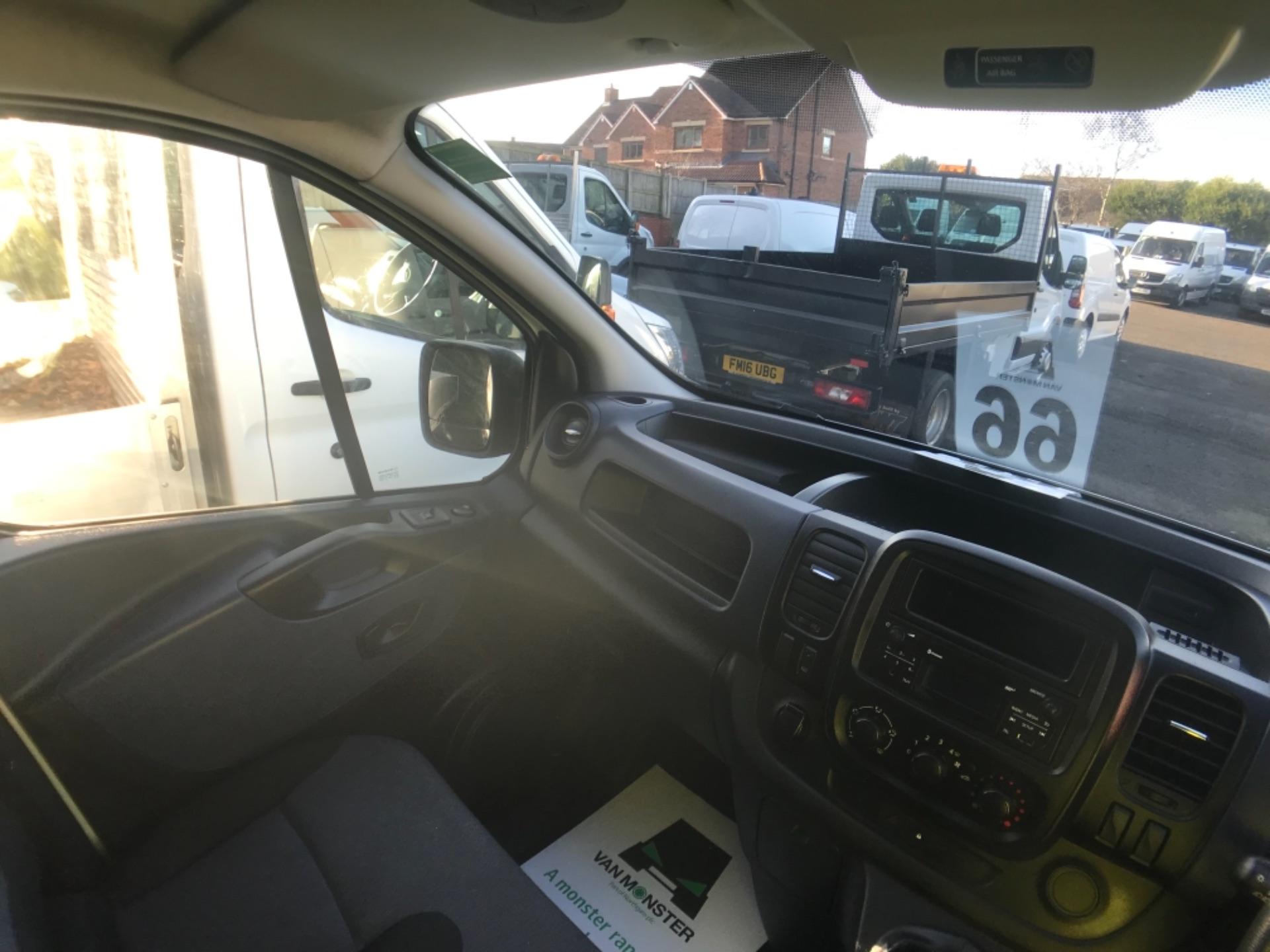 2017 Vauxhall Vivaro L2 H1 2900 1.6CDTI 120PS EURO 6 (DV67WHE) Image 18