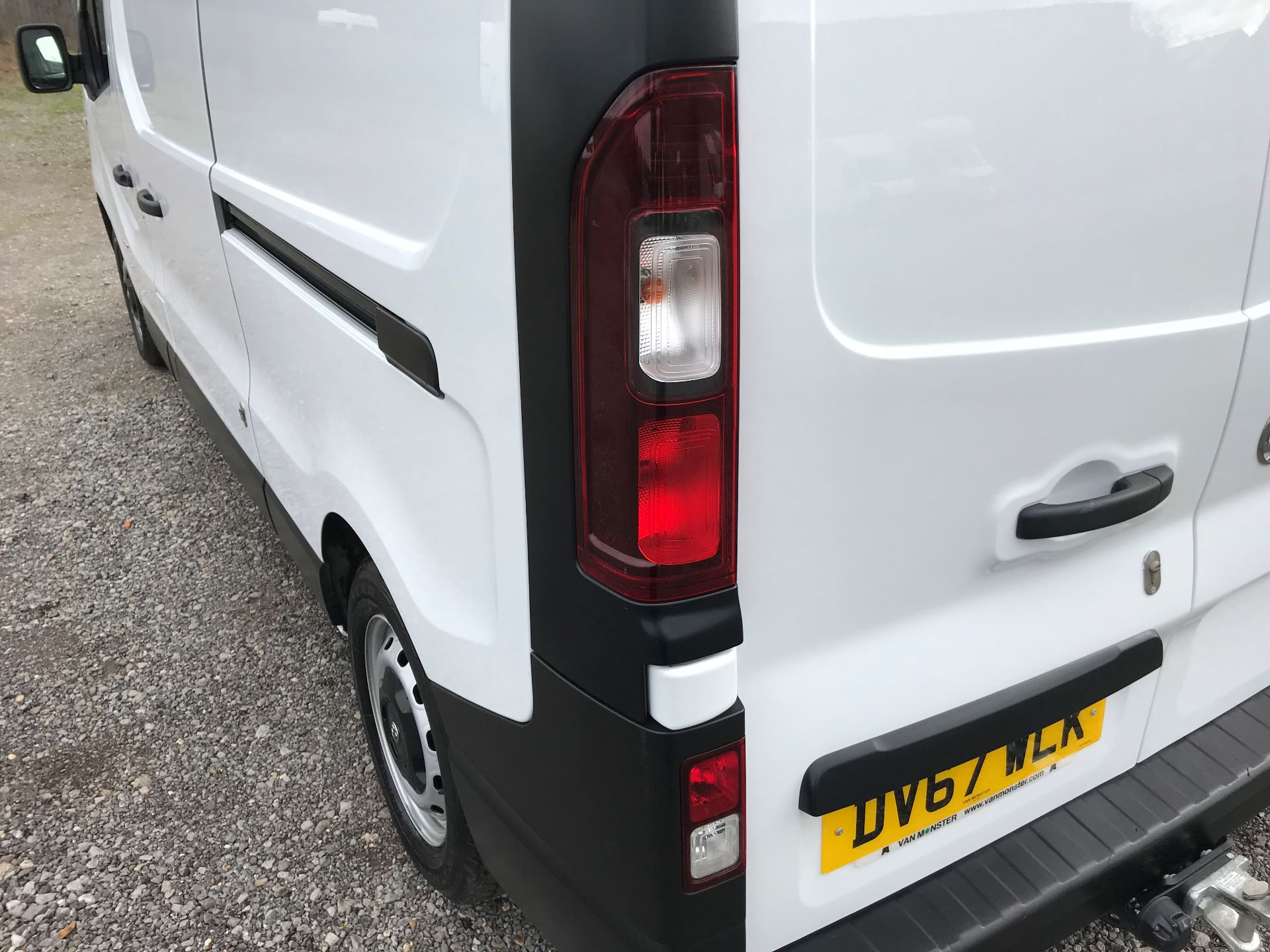 2017 Vauxhall Vivaro L2 H1 2900 1.6CDTI 120PS EURO 6 (DV67WLK) Image 15