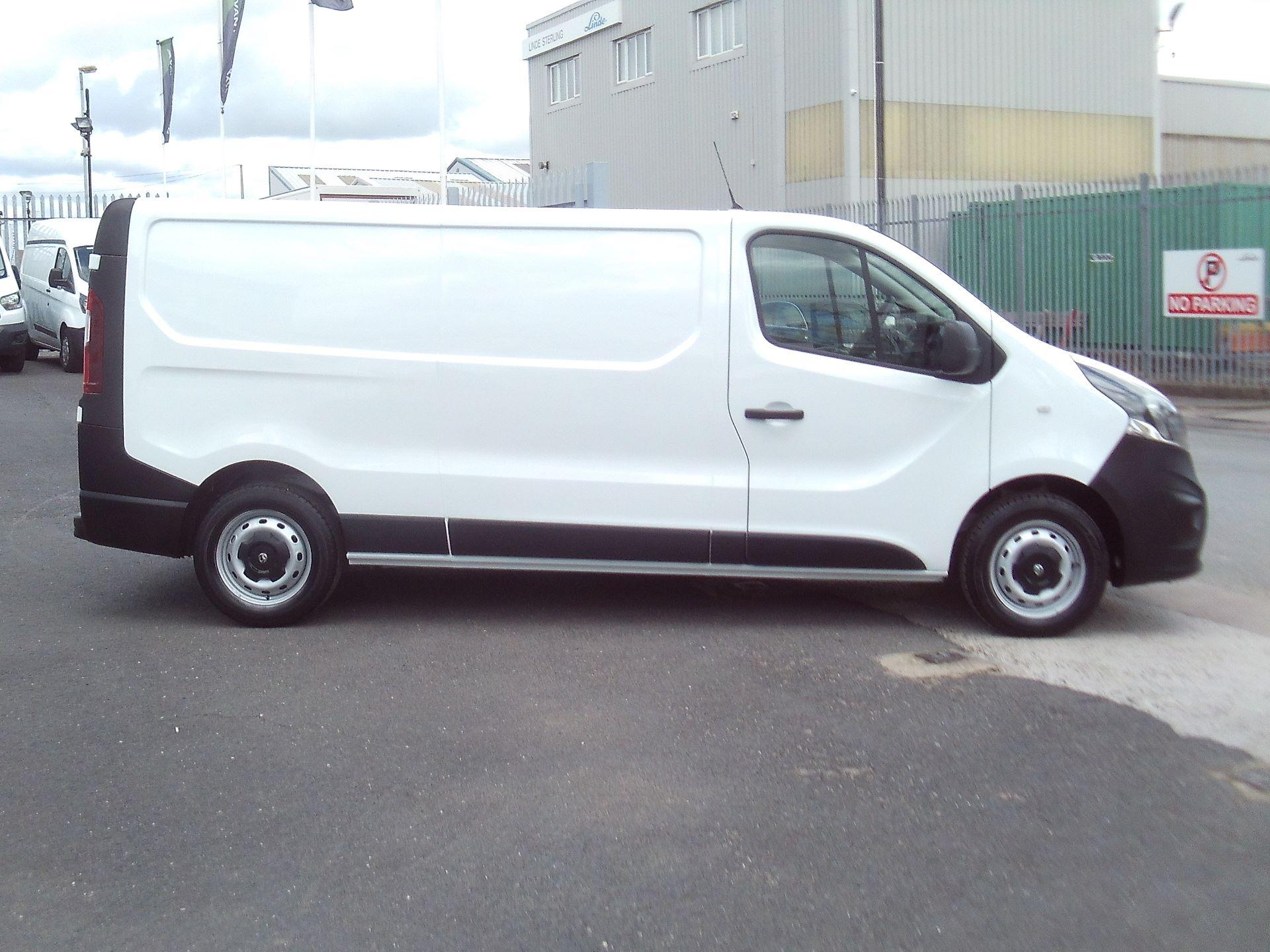 2017 Vauxhall Vivaro 2900 L2 H1 1.6CDTI 120PS EURO 6 (DV67WLU) Image 11