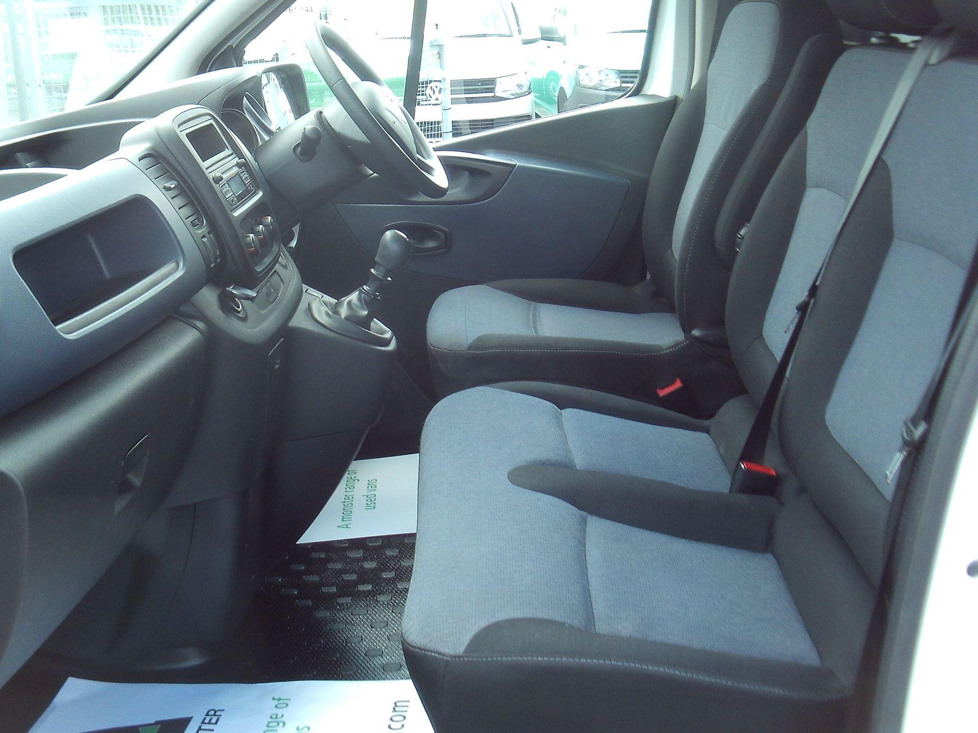 2017 Vauxhall Vivaro 2900 L2 H1 1.6CDTI 120PS EURO 6 (DV67WLU) Image 16