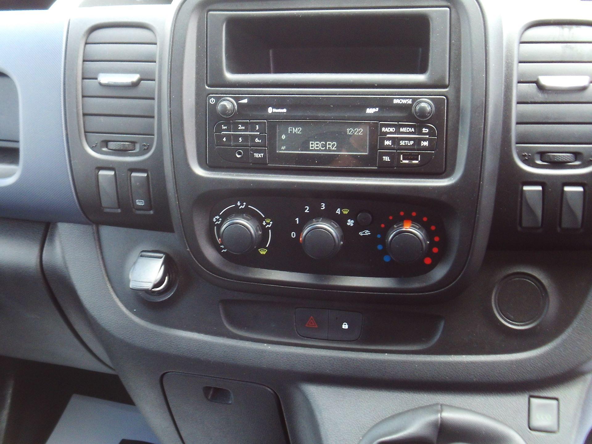 2017 Vauxhall Vivaro 2900 L2 H1 1.6CDTI 120PS EURO 6 (DV67WLU) Image 14