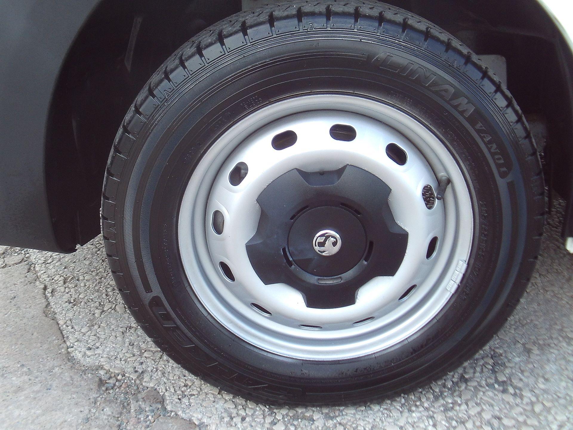 2017 Vauxhall Vivaro 2900 L2 H1 1.6CDTI 120PS EURO 6 (DV67WLU) Image 5