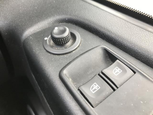 2018 Vauxhall Vivaro 2900 L2 H1 1.6CDTI 120PS SPORTIVE EURO 6 (DV68XNY) Image 28