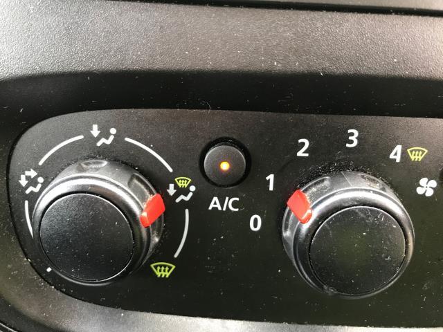 2018 Vauxhall Vivaro 2900 L2 H1 1.6CDTI 120PS SPORTIVE EURO 6 (DV68XNY) Image 21