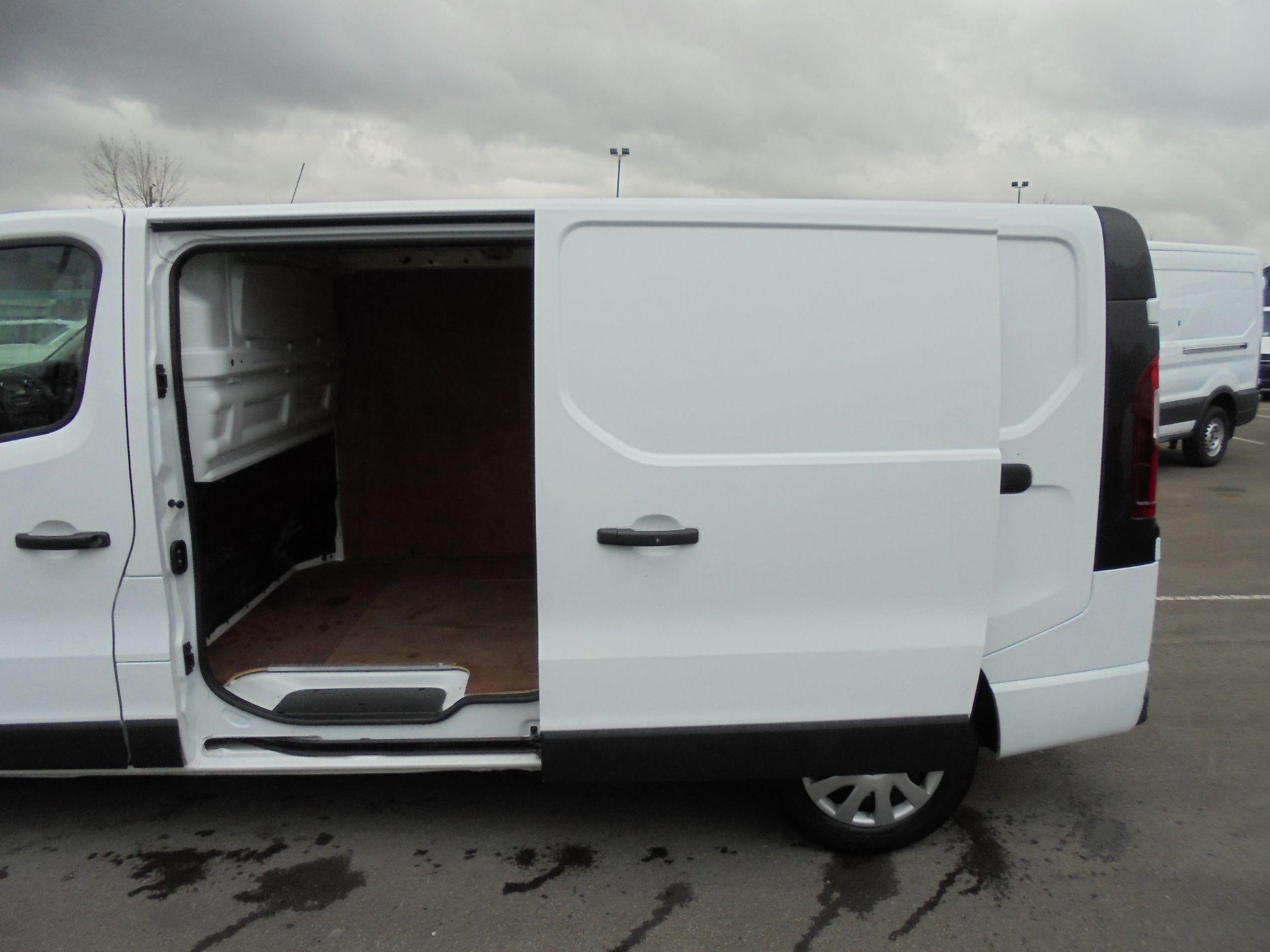 2018 Vauxhall Vivaro 2900 1.6Cdti 120Ps Sportive L2 H1 Van (DV68XPT) Image 24