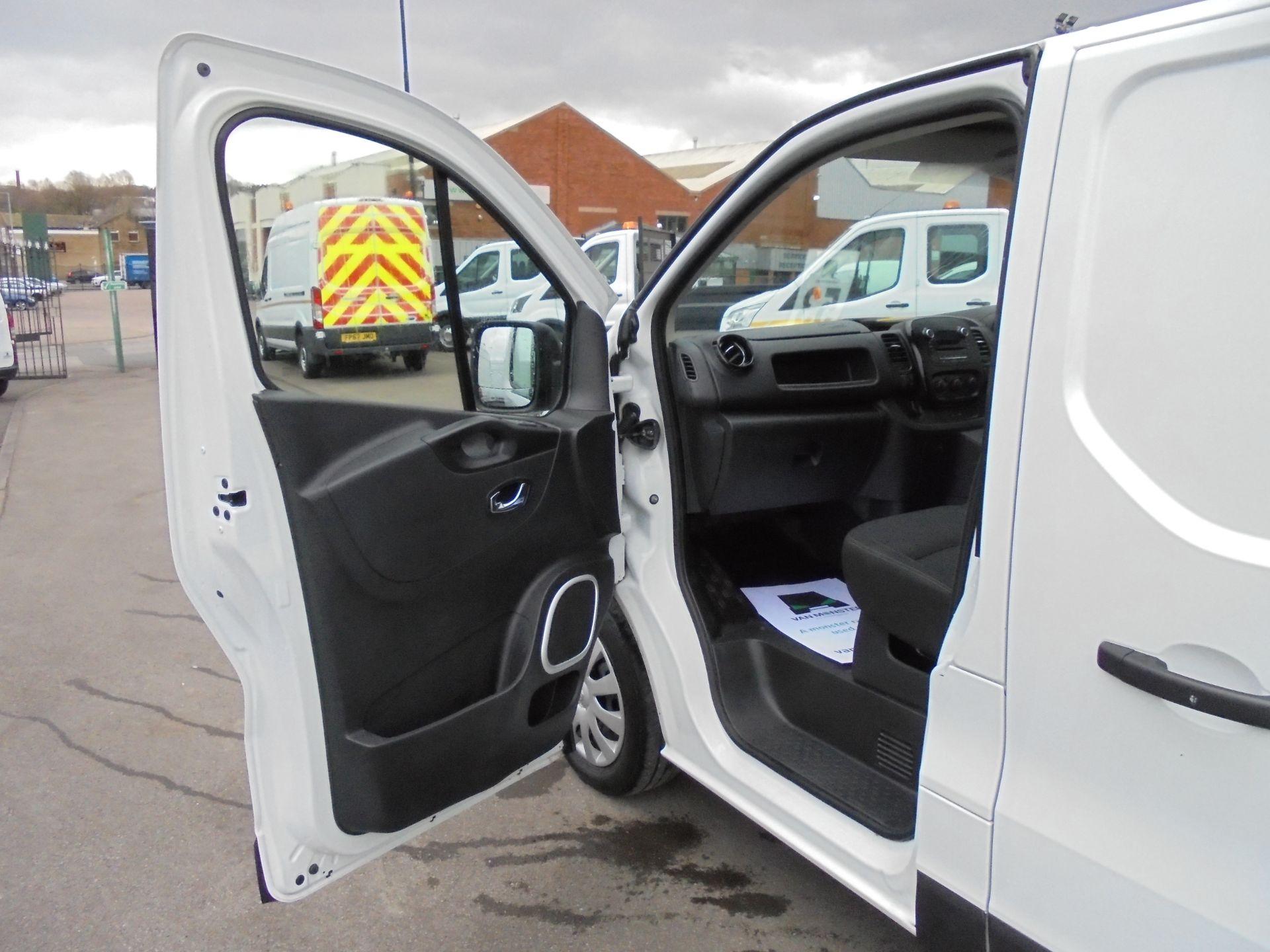 2018 Vauxhall Vivaro 2900 1.6Cdti 120Ps Sportive L2 H1 Van (DV68XPT) Image 22