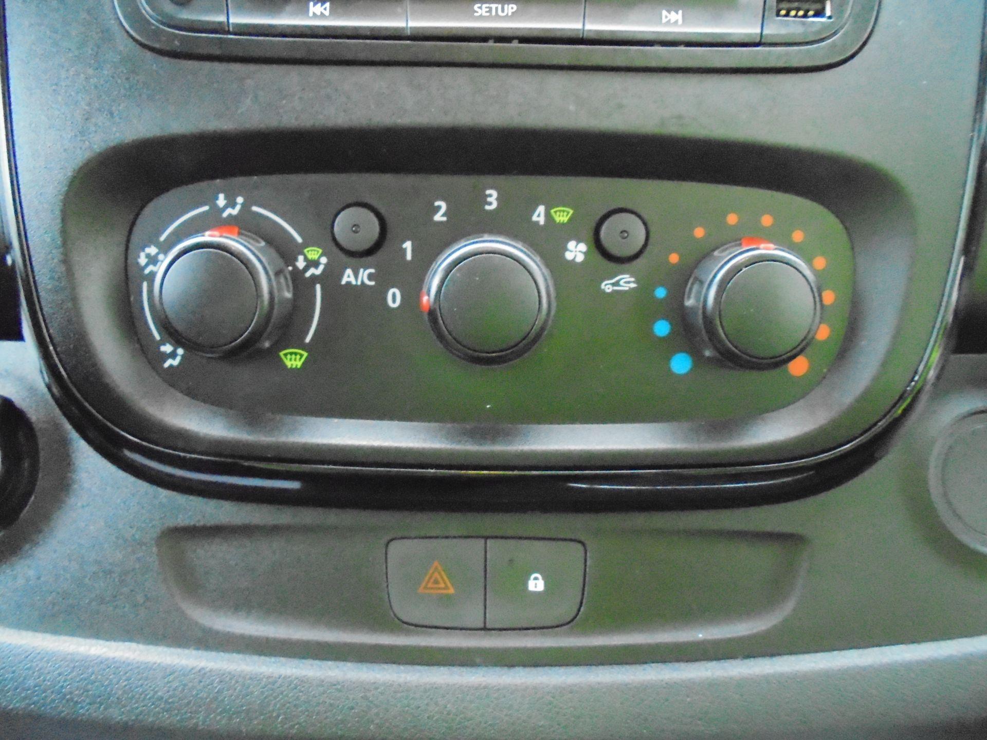 2018 Vauxhall Vivaro 2900 1.6Cdti 120Ps Sportive L2 H1 Van (DV68XPT) Image 20