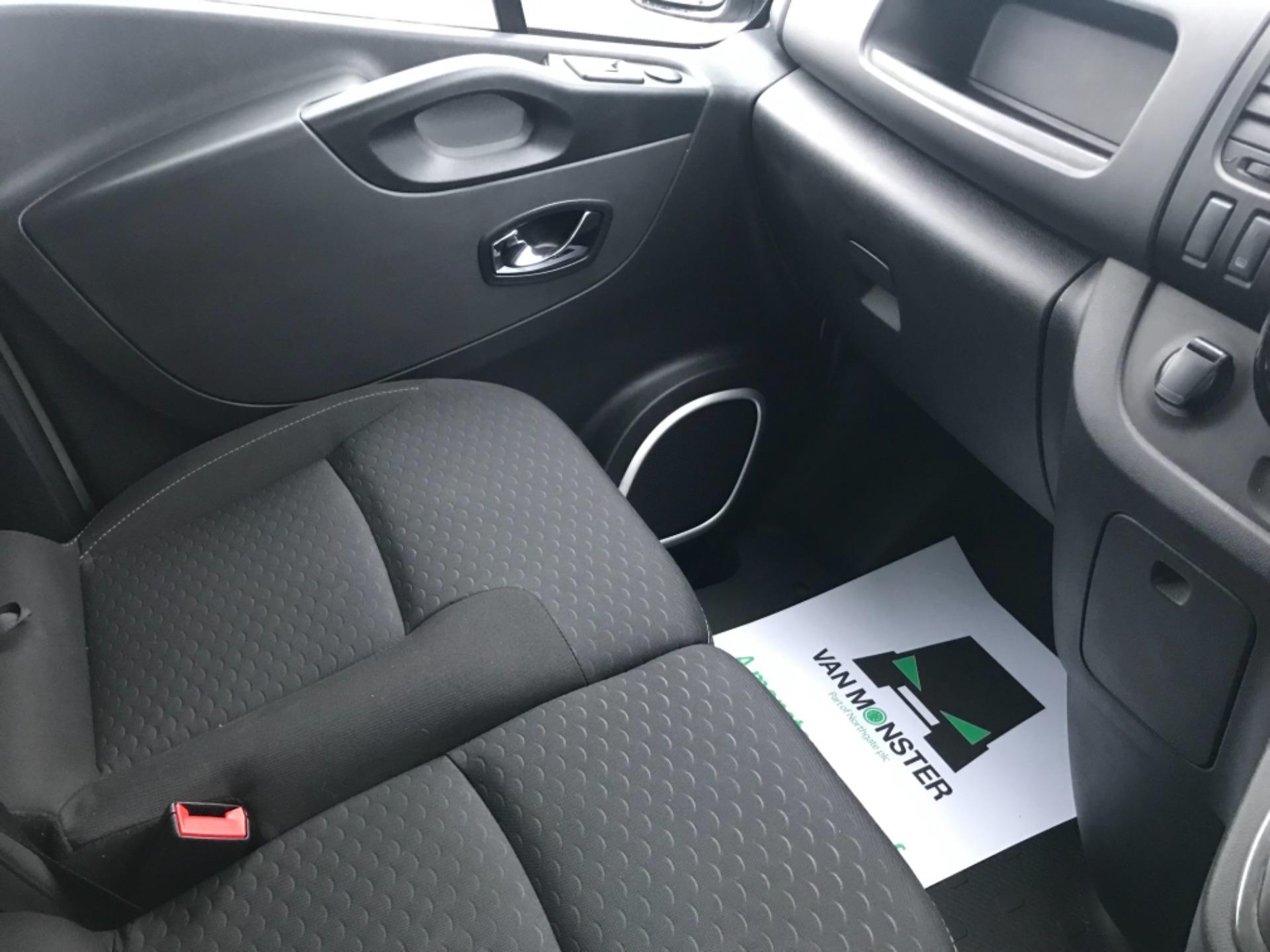 2018 Vauxhall Vivaro 2900 1.6Cdti 120Ps Sportive H1 Van (DV68XPW) Image 10