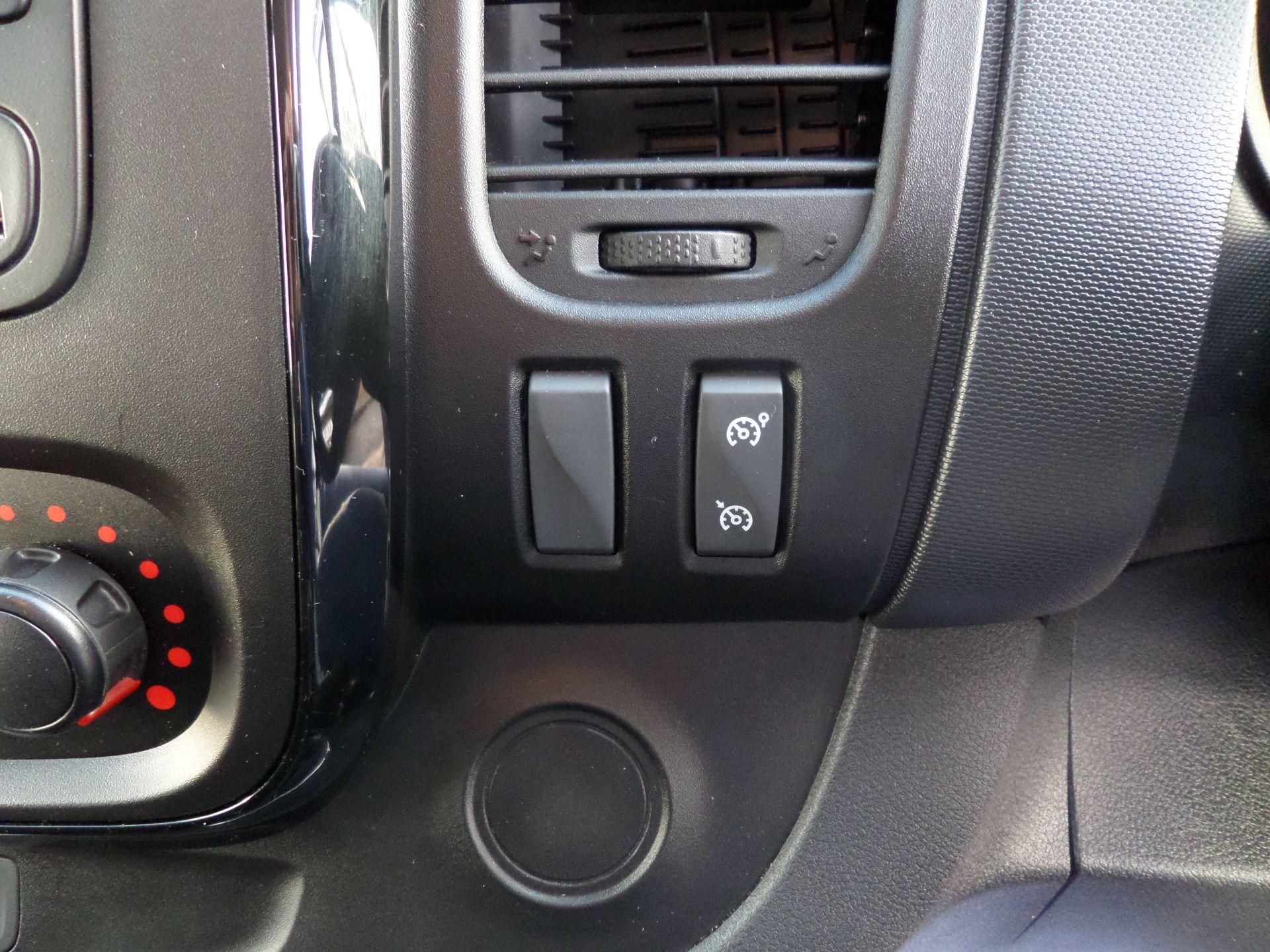 2018 Vauxhall Vivaro 2900 1.6Cdti 120Ps Sportive H1/L2 Van Euro 6 (DV68XPY) Image 16