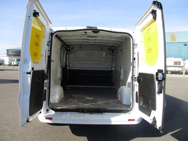 2015 Vauxhall Vivaro L2 H1 2900 1.6 BITURBO 120PS  EURO 5. AIR CON (DX15UHN) Image 7