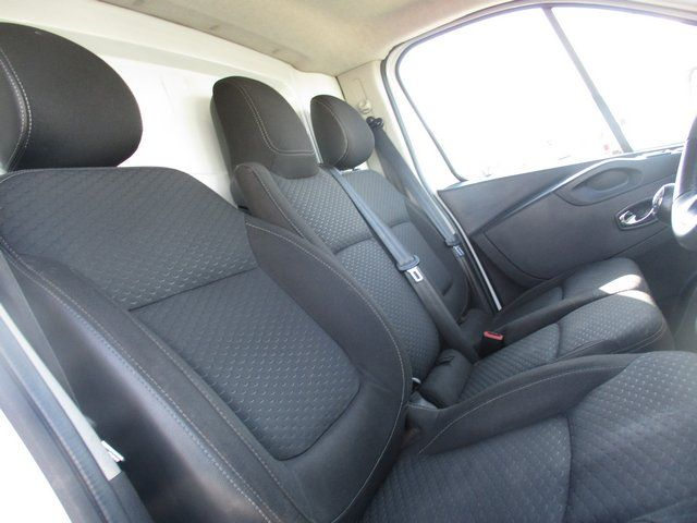 2015 Vauxhall Vivaro L2 H1 2900 1.6 BITURBO 120PS  EURO 5. AIR CON (DX15UHN) Image 12
