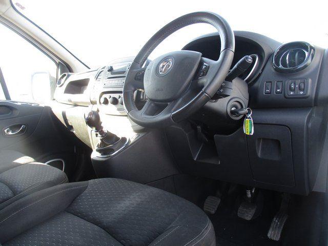 2015 Vauxhall Vivaro L2 H1 2900 1.6 BITURBO 120PS  EURO 5. AIR CON (DX15UHN) Image 13