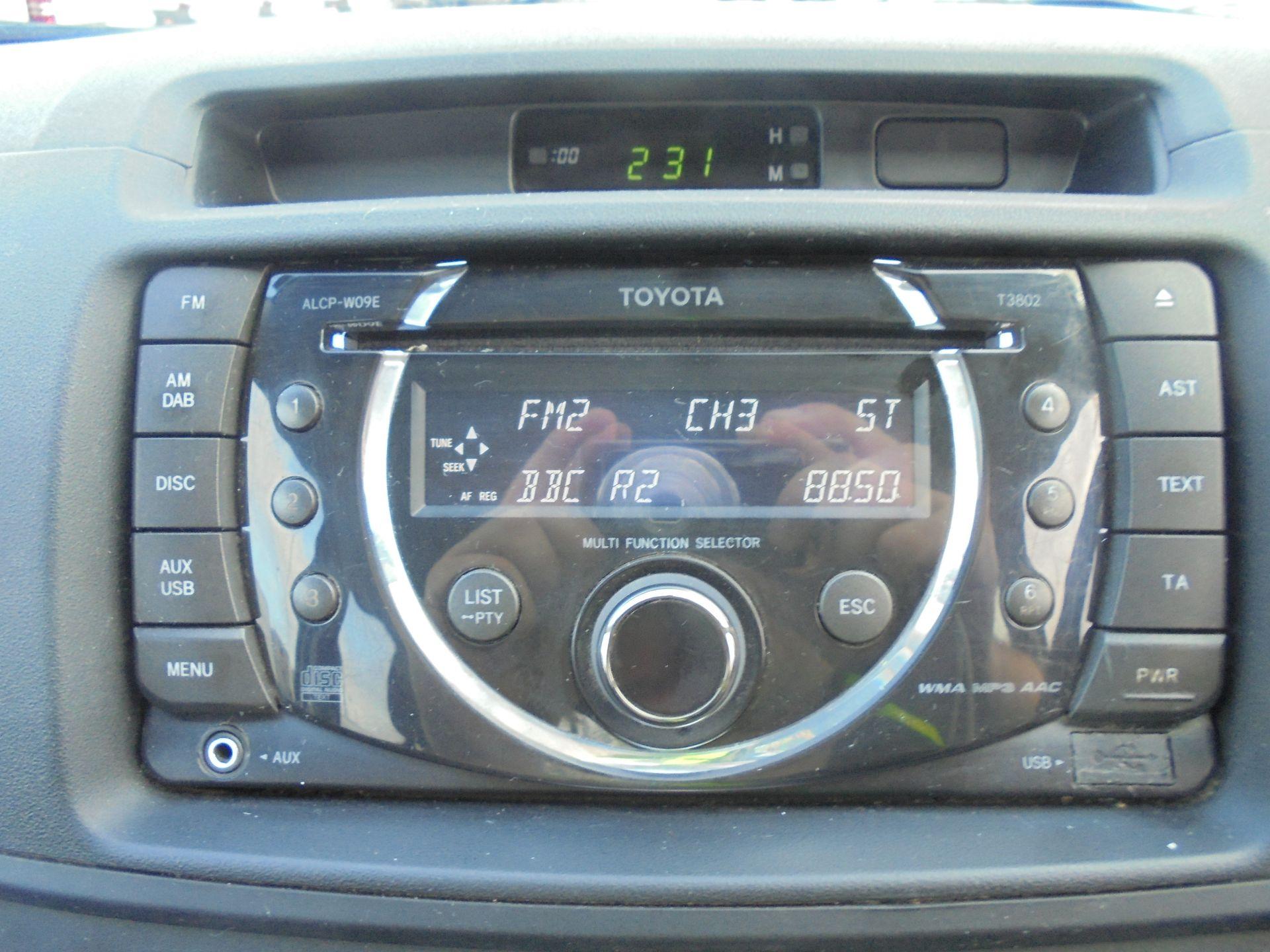 2015 Toyota Hilux Active D/Cab Pick Up 2.5 D-4D 4Wd 144 (DX15WSV) Image 31