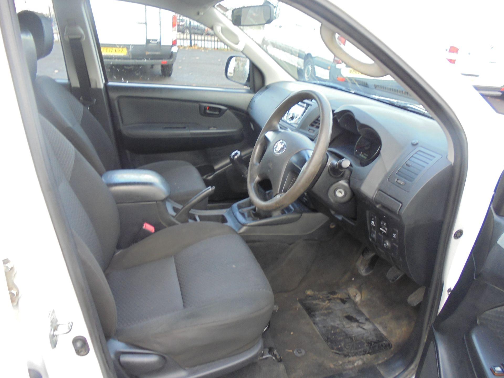 2015 Toyota Hilux Active D/Cab Pick Up 2.5 D-4D 4Wd 144 (DX15WSV) Image 23
