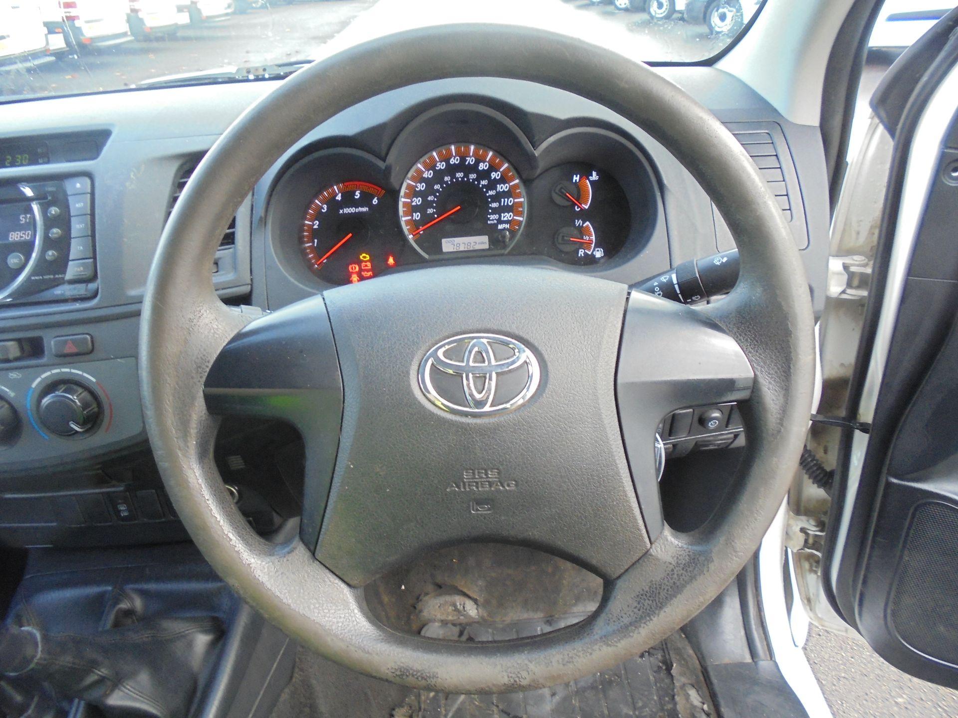 2015 Toyota Hilux Active D/Cab Pick Up 2.5 D-4D 4Wd 144 (DX15WSV) Image 26