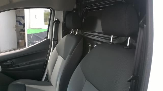 2016 Nissan Nv200 1.5 DCI ACENTA EURO 5 (DX16OJC) Image 14