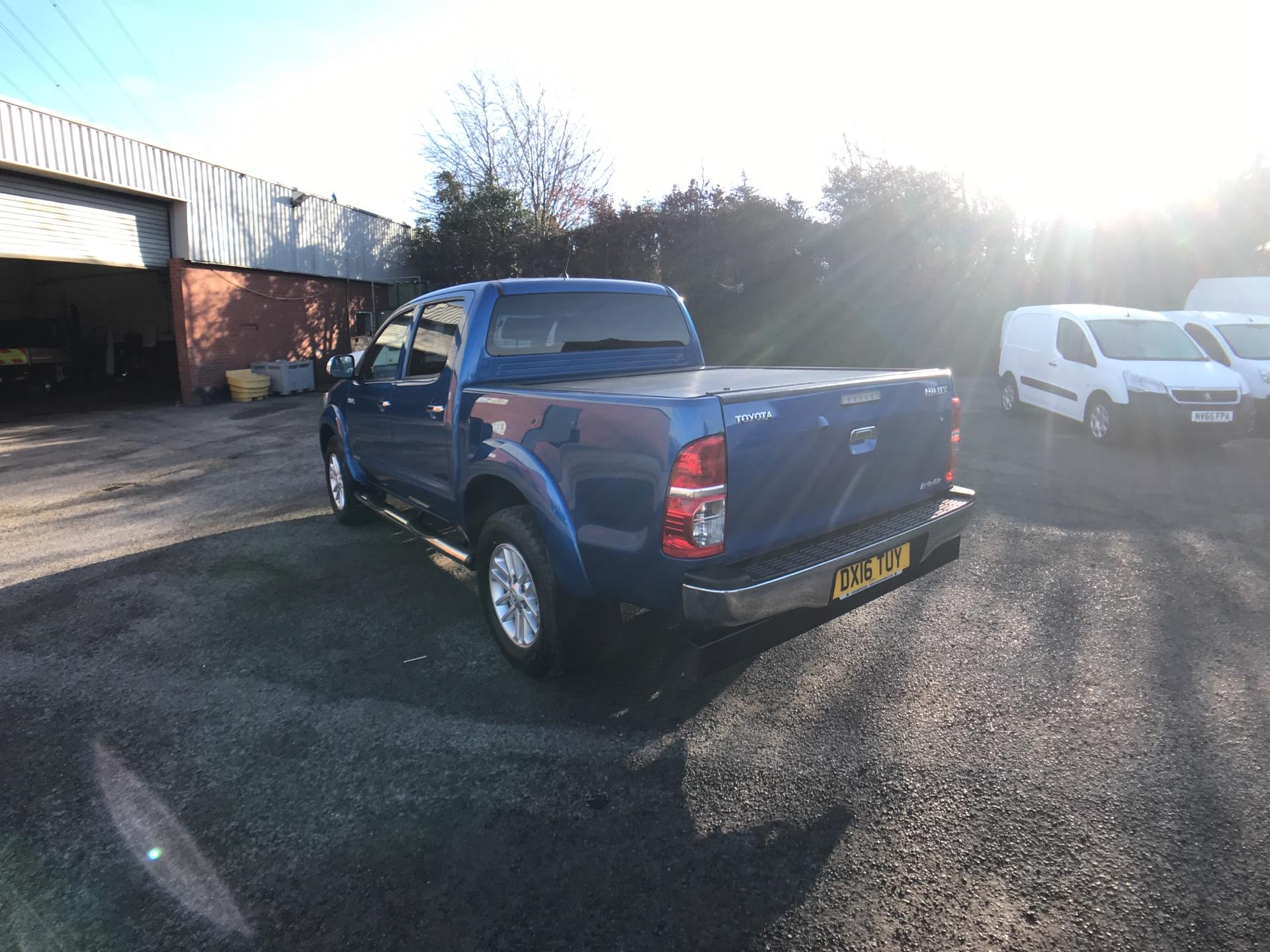 2016 Toyota Hilux  DOUBLE CAB PICK UP 3.0 4WD 171 INVINCIBLE EURO 5 (DX16TUY) Image 5