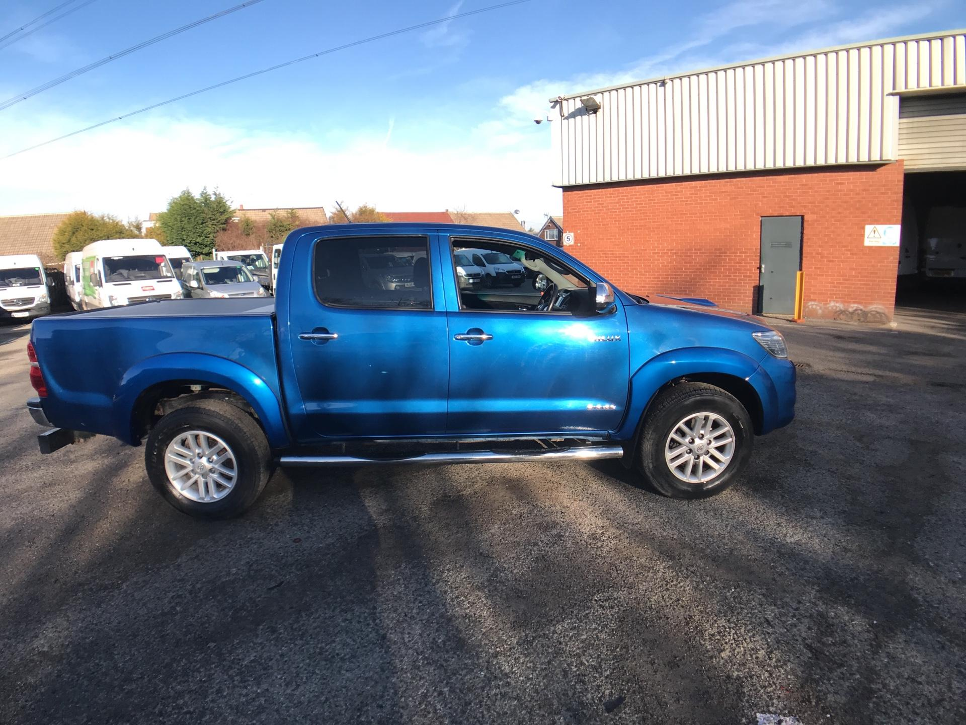 2016 Toyota Hilux  DOUBLE CAB PICK UP 3.0 4WD 171 INVINCIBLE EURO 5 (DX16TUY) Image 2