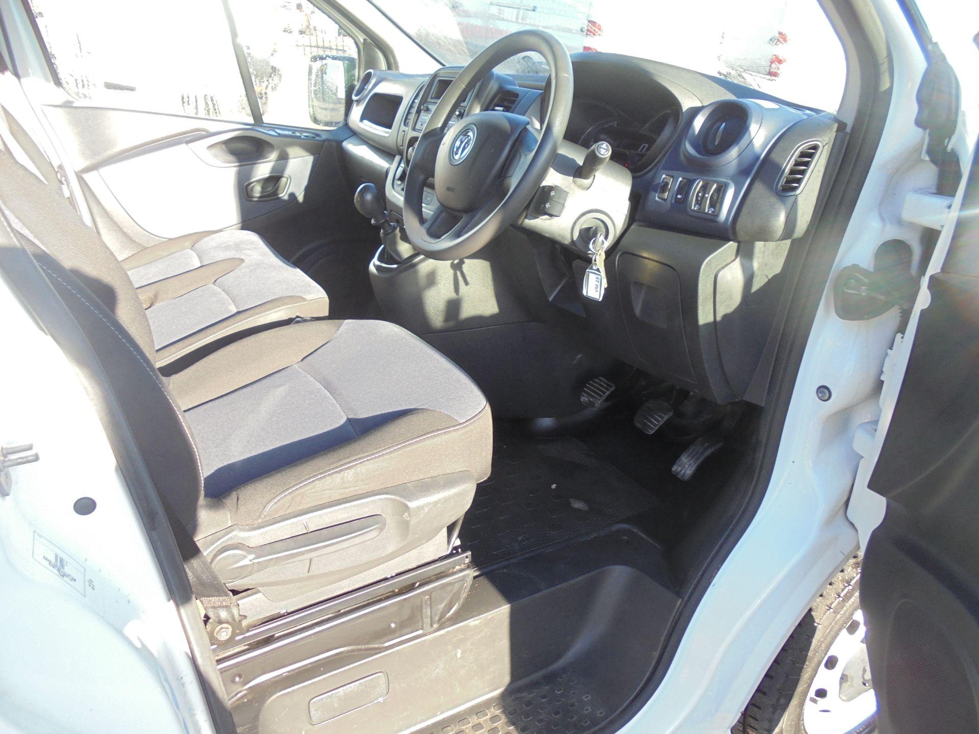 2016 Vauxhall Vivaro 2900 1.6Cdti 120Ps Biturbo Ecoflex L1 H2 Van (DX16XXR) Image 9