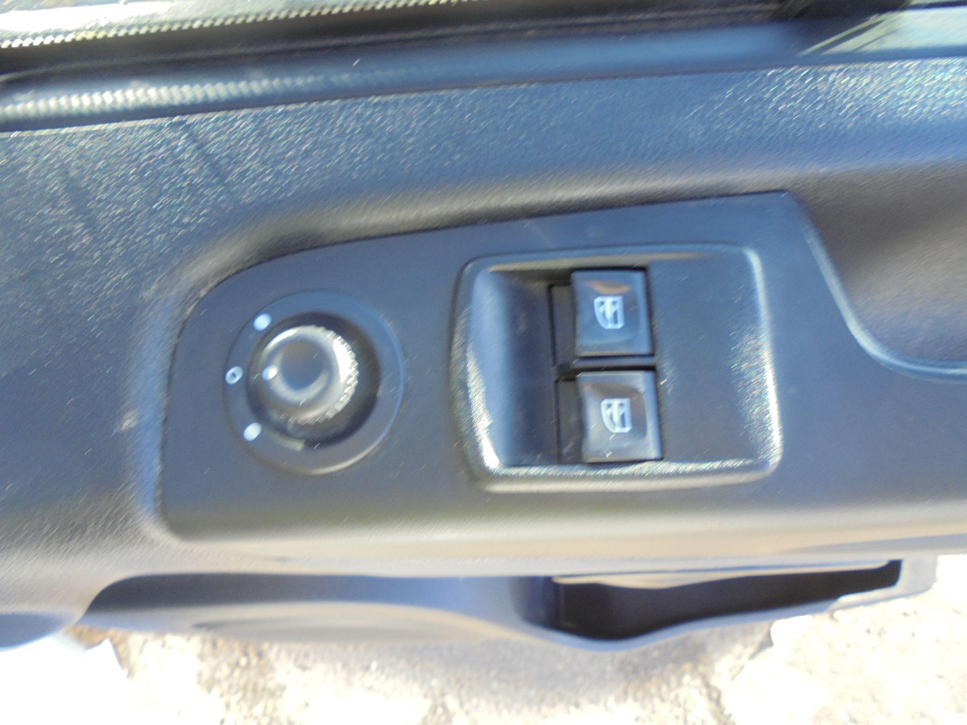 2016 Vauxhall Vivaro 2900 1.6Cdti 120Ps Biturbo Ecoflex L1 H2 Van (DX16XXR) Image 12