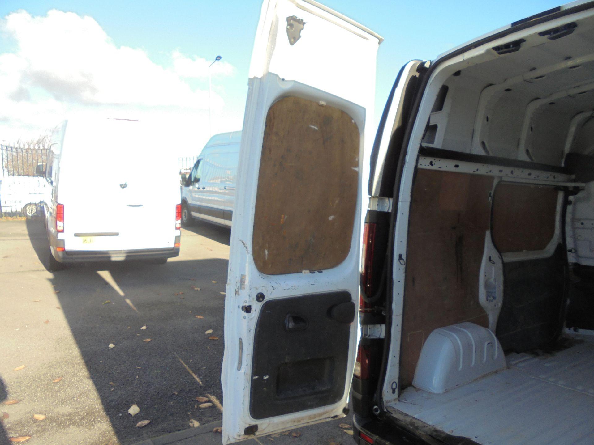 2016 Vauxhall Vivaro 2900 1.6Cdti 120Ps Biturbo Ecoflex L1 H2 Van (DX16XXR) Image 26