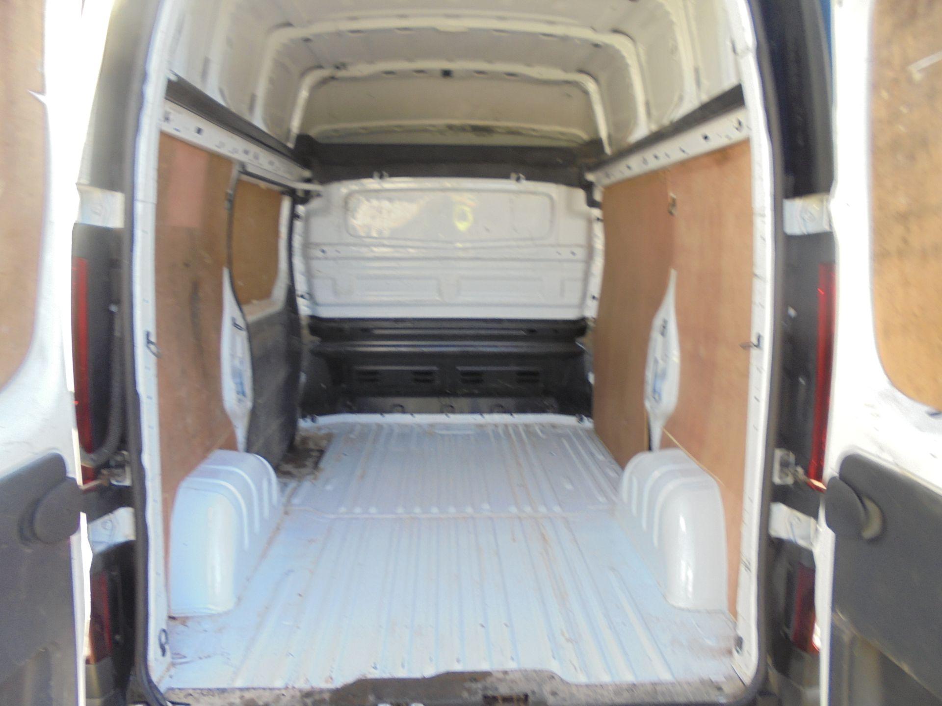2016 Vauxhall Vivaro 2900 1.6Cdti 120Ps Biturbo Ecoflex L1 H2 Van (DX16XXR) Image 25