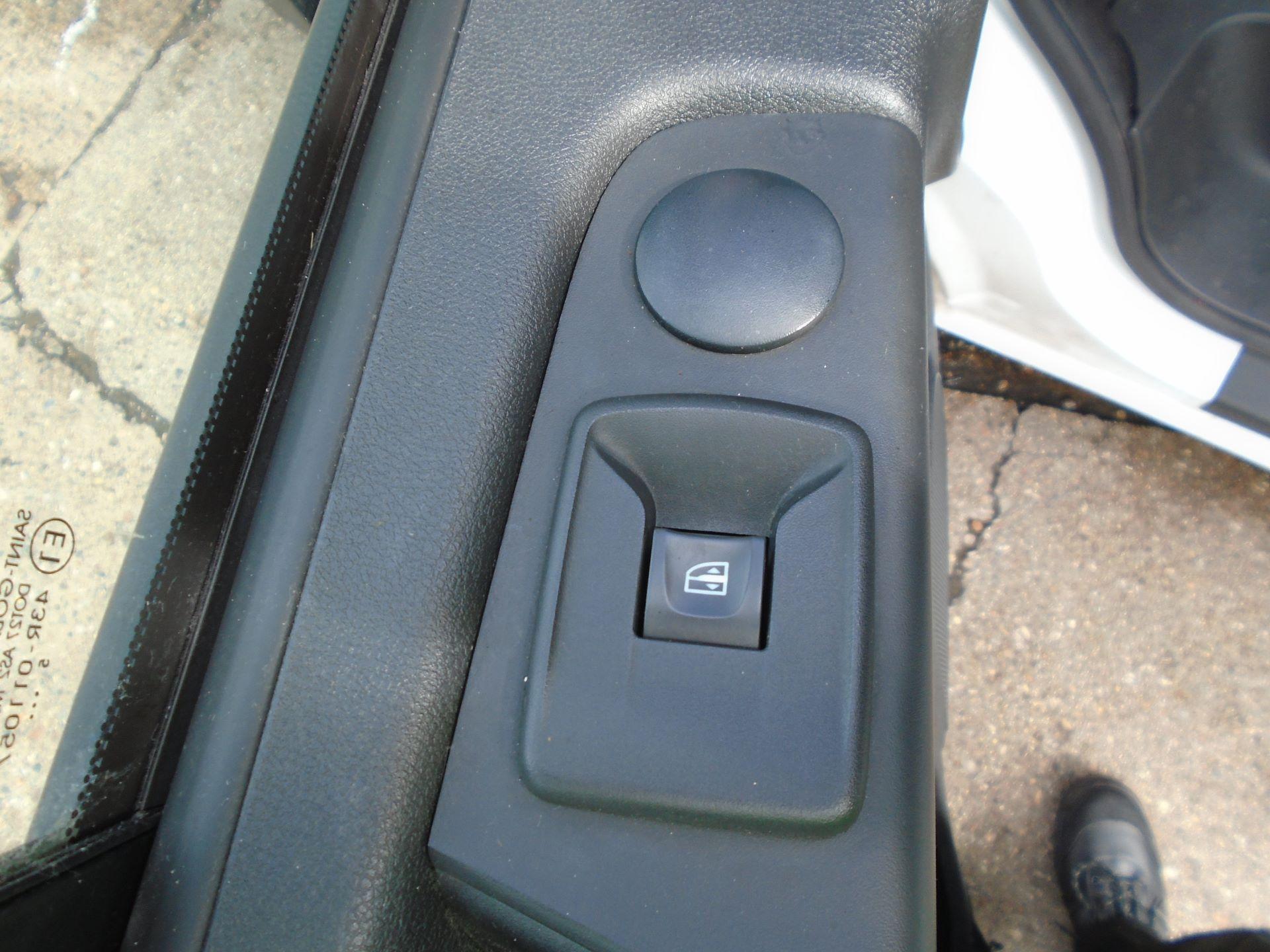 2016 Vauxhall Vivaro 2900 1.6Cdti 115Ps H1 Van EURO 5 (DX16XYT) Image 19