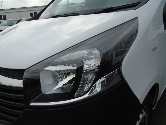 2016 Vauxhall Vivaro  L2 H1 2900 1.6 115PS EURO 5 (DX16YEK) Image 13