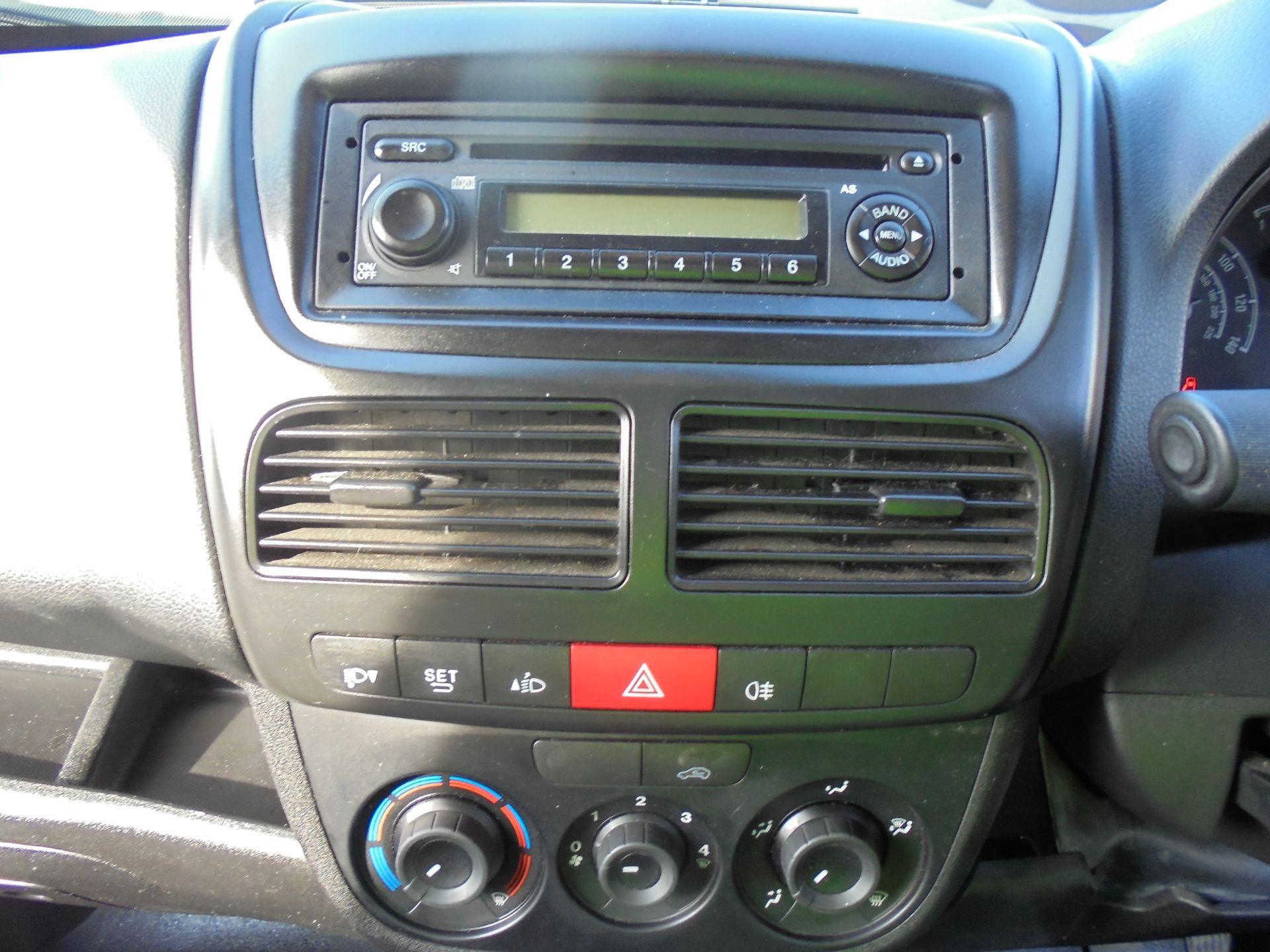 2016 Vauxhall Combo 2000 1.3 Cdti 16V H1 Van (DX16YHZ) Image 12