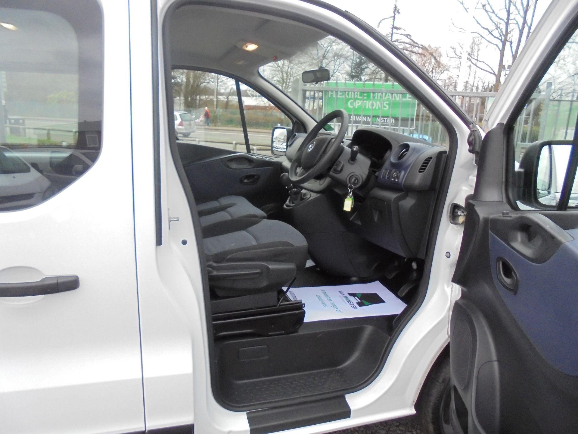 2017 Vauxhall Vivaro  L2 H1 2900 1.6 BITURBO 125PS ECOFLEX COMBI 9 SEAT EURO 6 (DX17VWC) Image 12