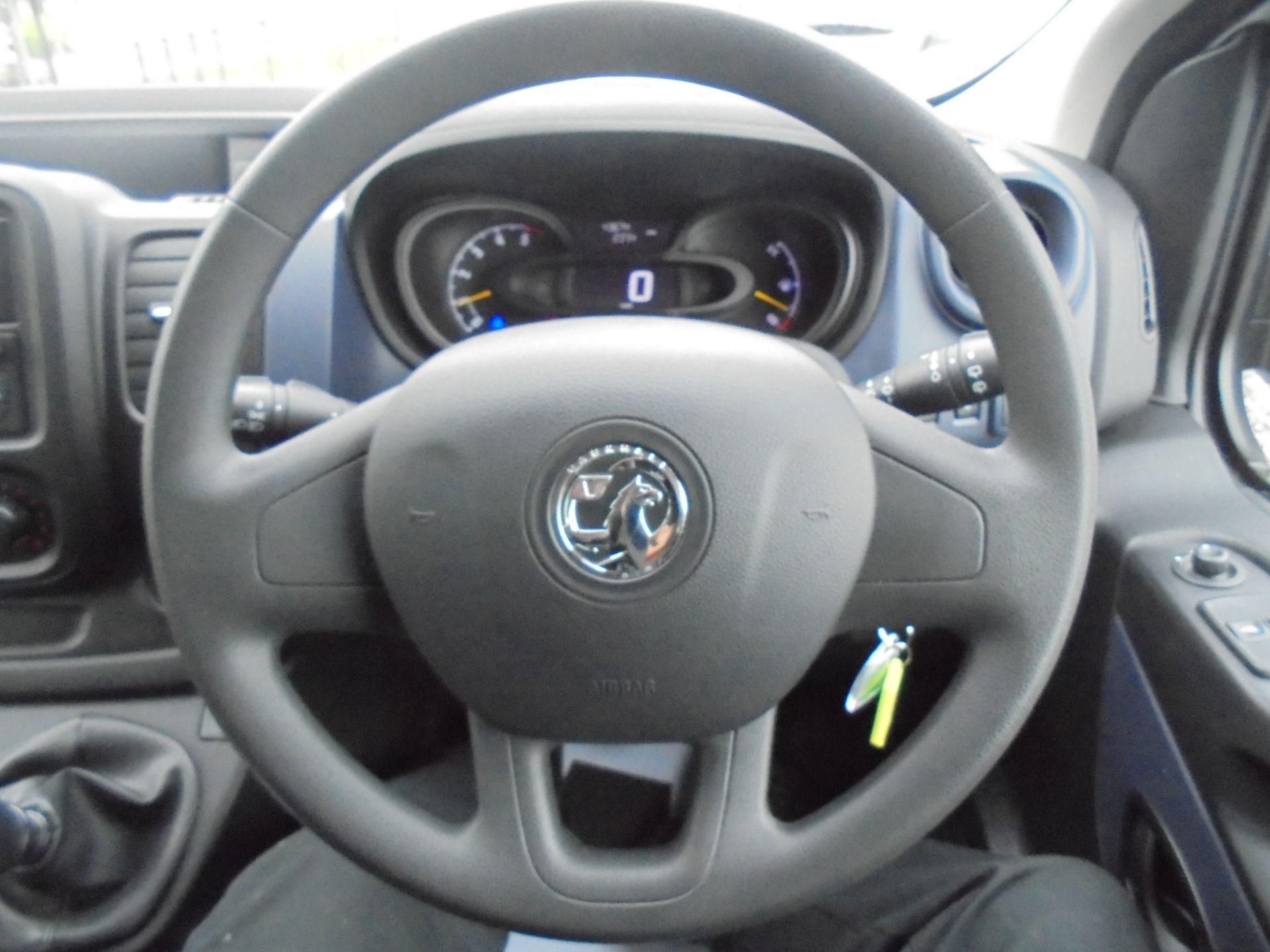 2017 Vauxhall Vivaro  L2 H1 2900 1.6 BITURBO 125PS ECOFLEX COMBI 9 SEAT EURO 6 (DX17VWC) Image 16
