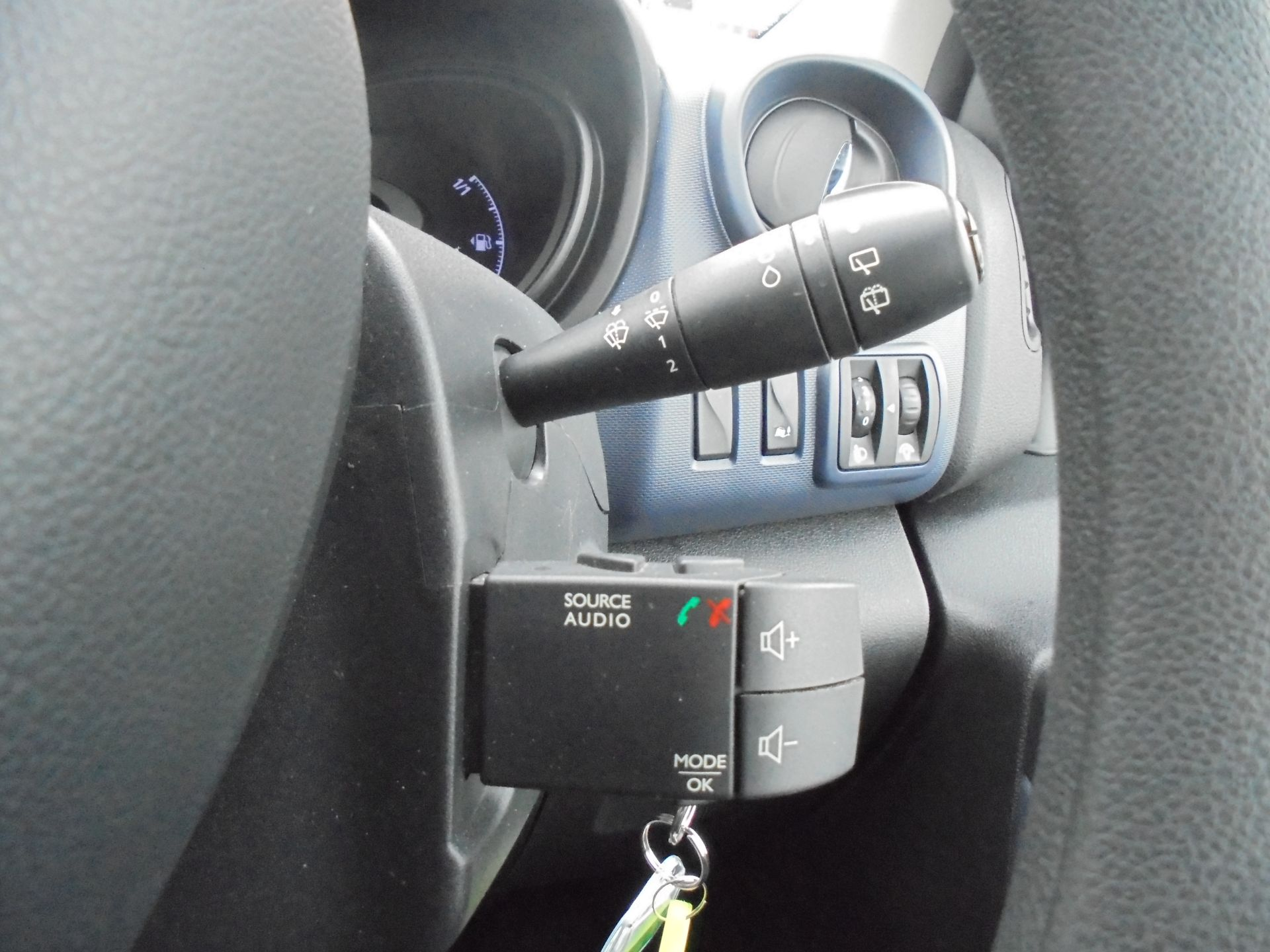 2017 Vauxhall Vivaro  L2 H1 2900 1.6 BITURBO 125PS ECOFLEX COMBI 9 SEAT EURO 6 (DX17VWC) Image 20