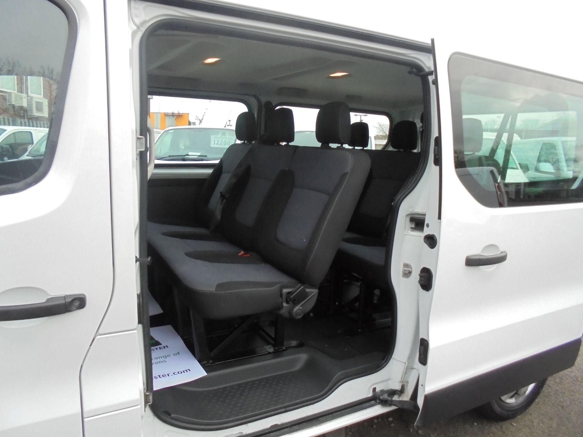 2017 Vauxhall Vivaro  L2 H1 2900 1.6 BITURBO 125PS ECOFLEX COMBI 9 SEAT EURO 6 (DX17VWC) Image 9