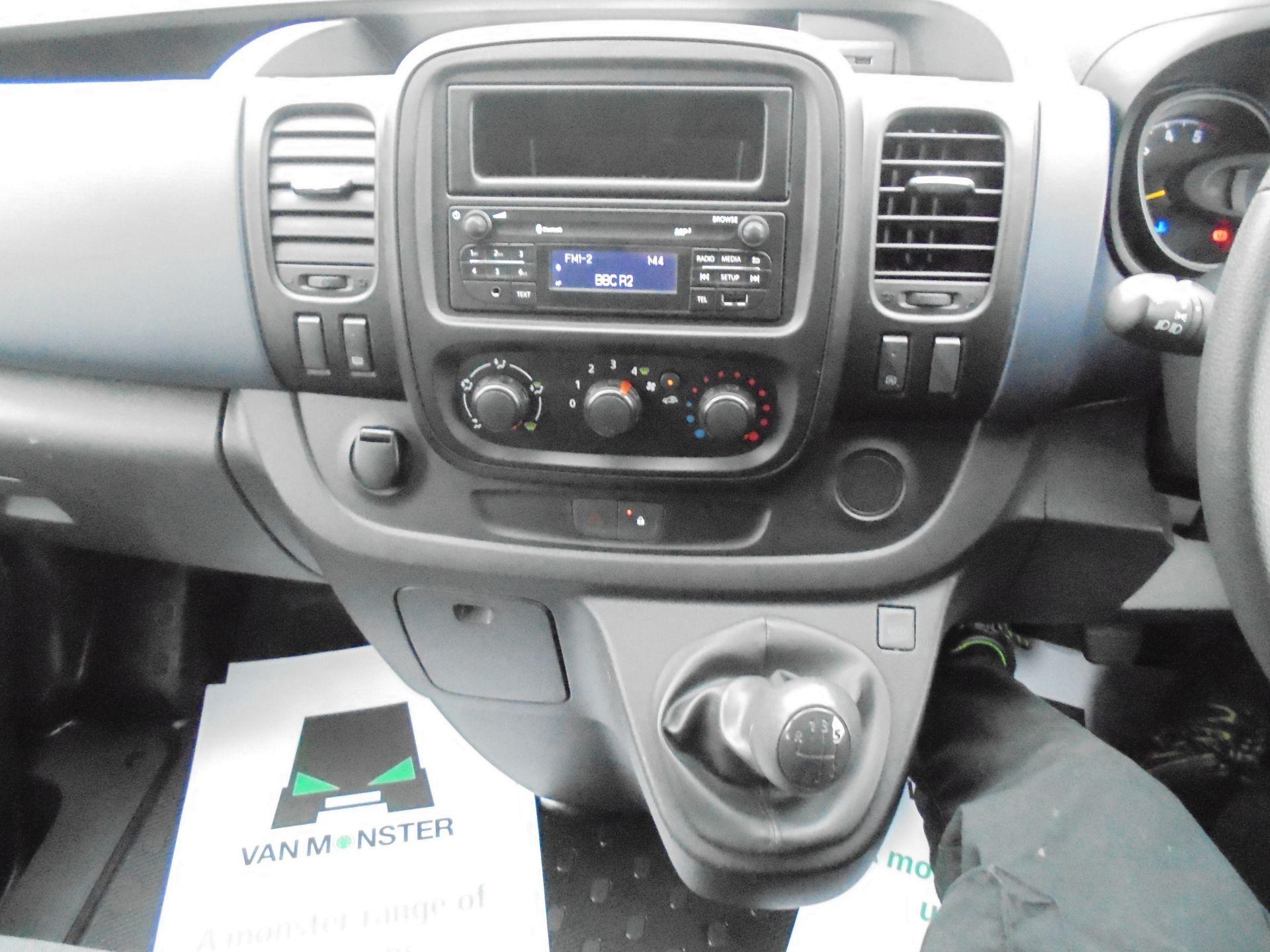 2017 Vauxhall Vivaro  L2 H1 2900 1.6 BITURBO 125PS ECOFLEX COMBI 9 SEAT EURO 6 (DX17VWC) Image 14