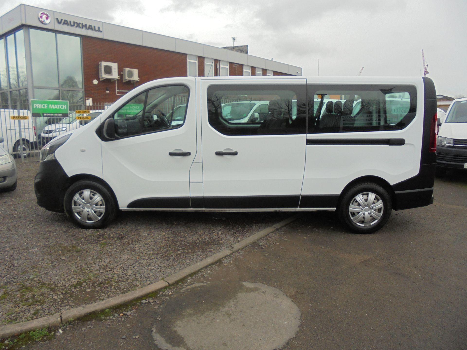 2017 Vauxhall Vivaro  L2 H1 2900 1.6 BITURBO 125PS ECOFLEX COMBI 9 SEAT EURO 6 (DX17VWC) Image 8
